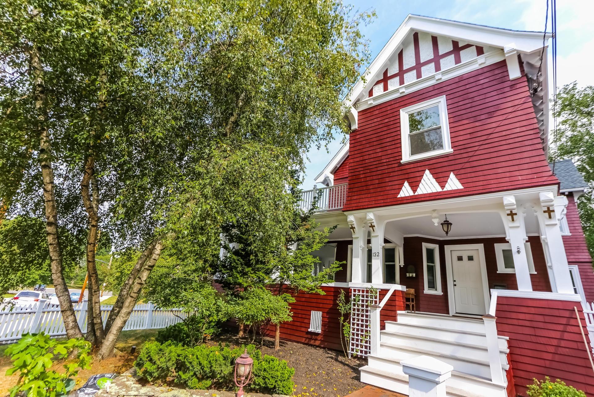 Einfamilienhaus für Verkauf beim 132 Clement Avenue West Roxbury, Boston, Massachusetts 02132 Vereinigte Staaten