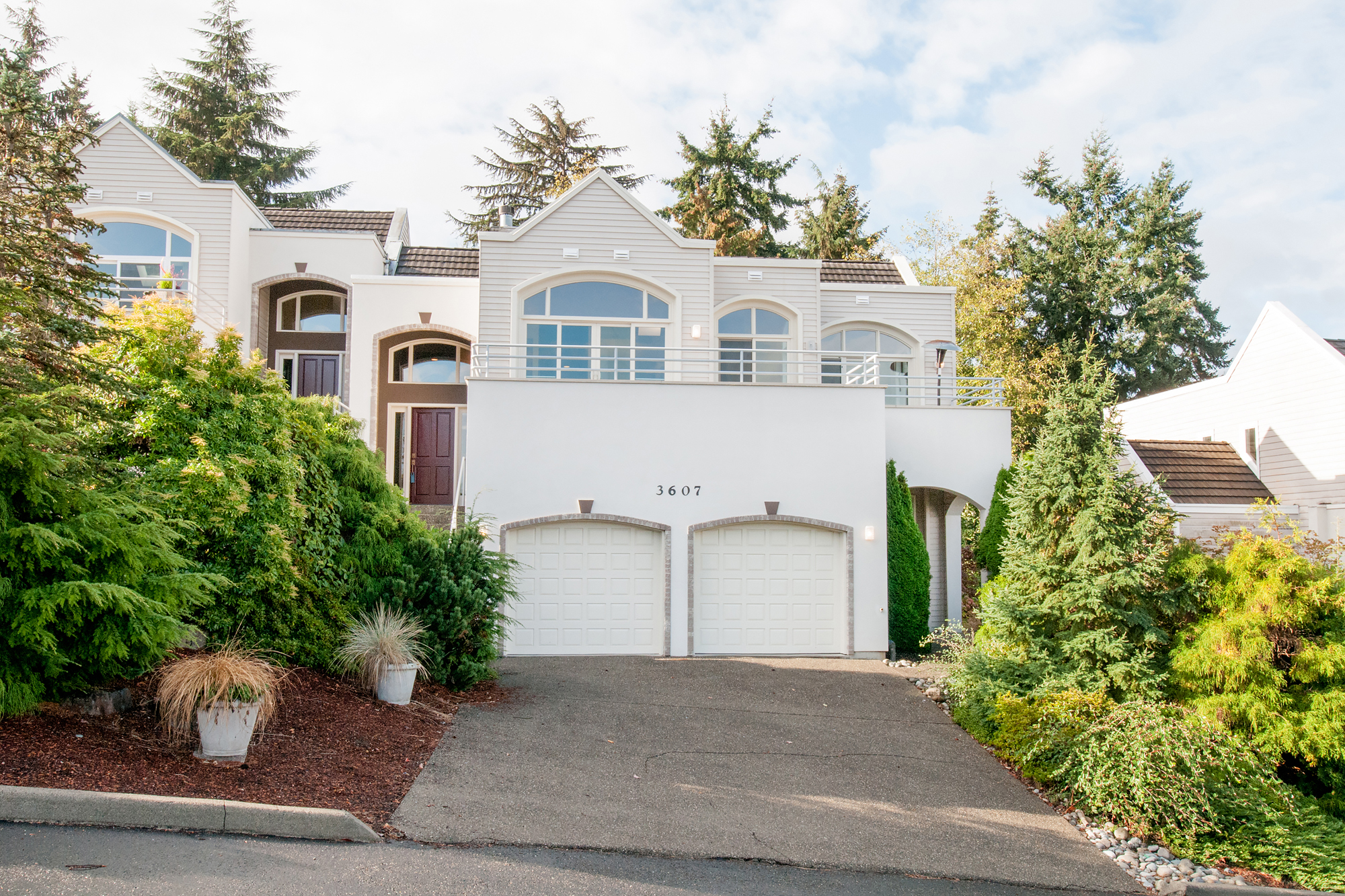 Single Family Home for Sale at Desirable Bayview Estates 3607 SW 311th Place Federal Way, Washington, 98023 United States