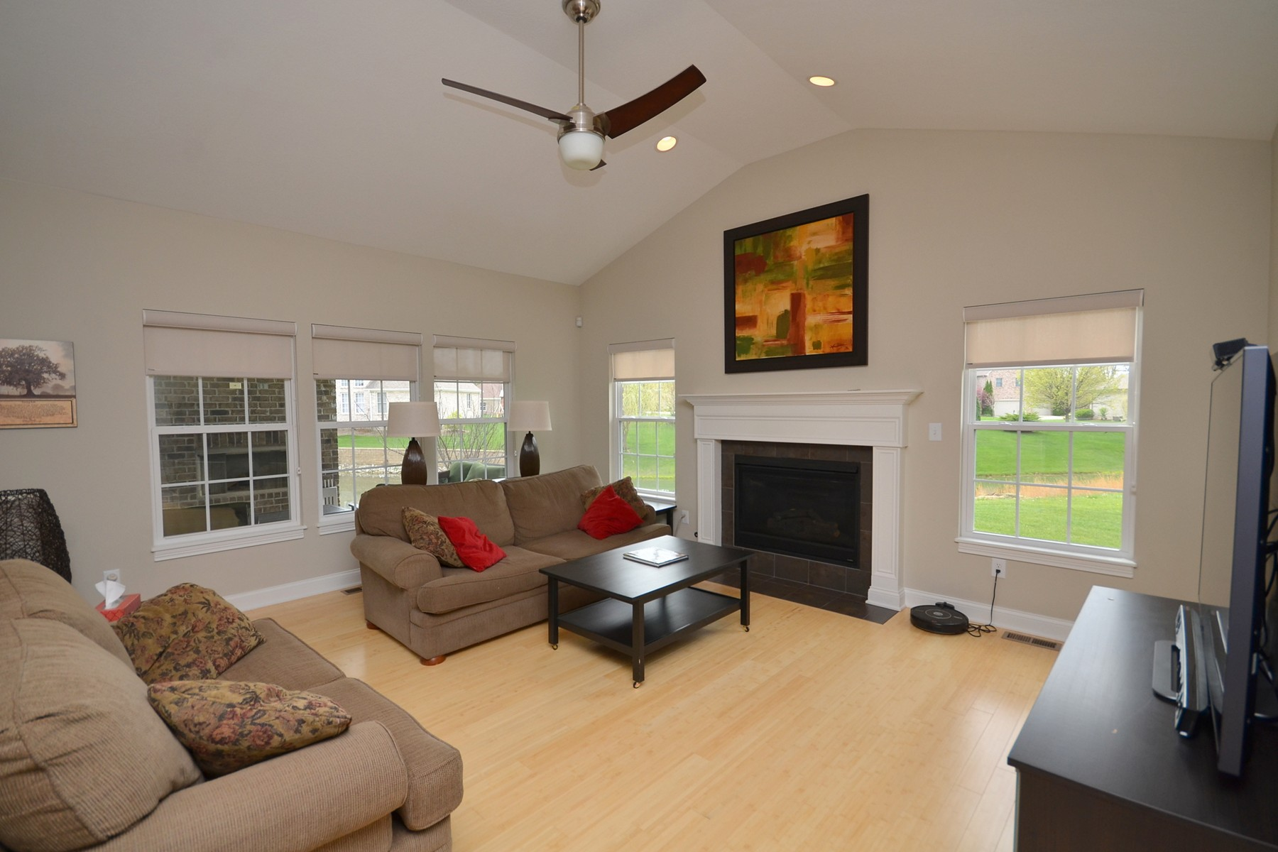 Additional photo for property listing at Superb Residence 733 Keswick Court Brownsburg, Indiana 46112 États-Unis