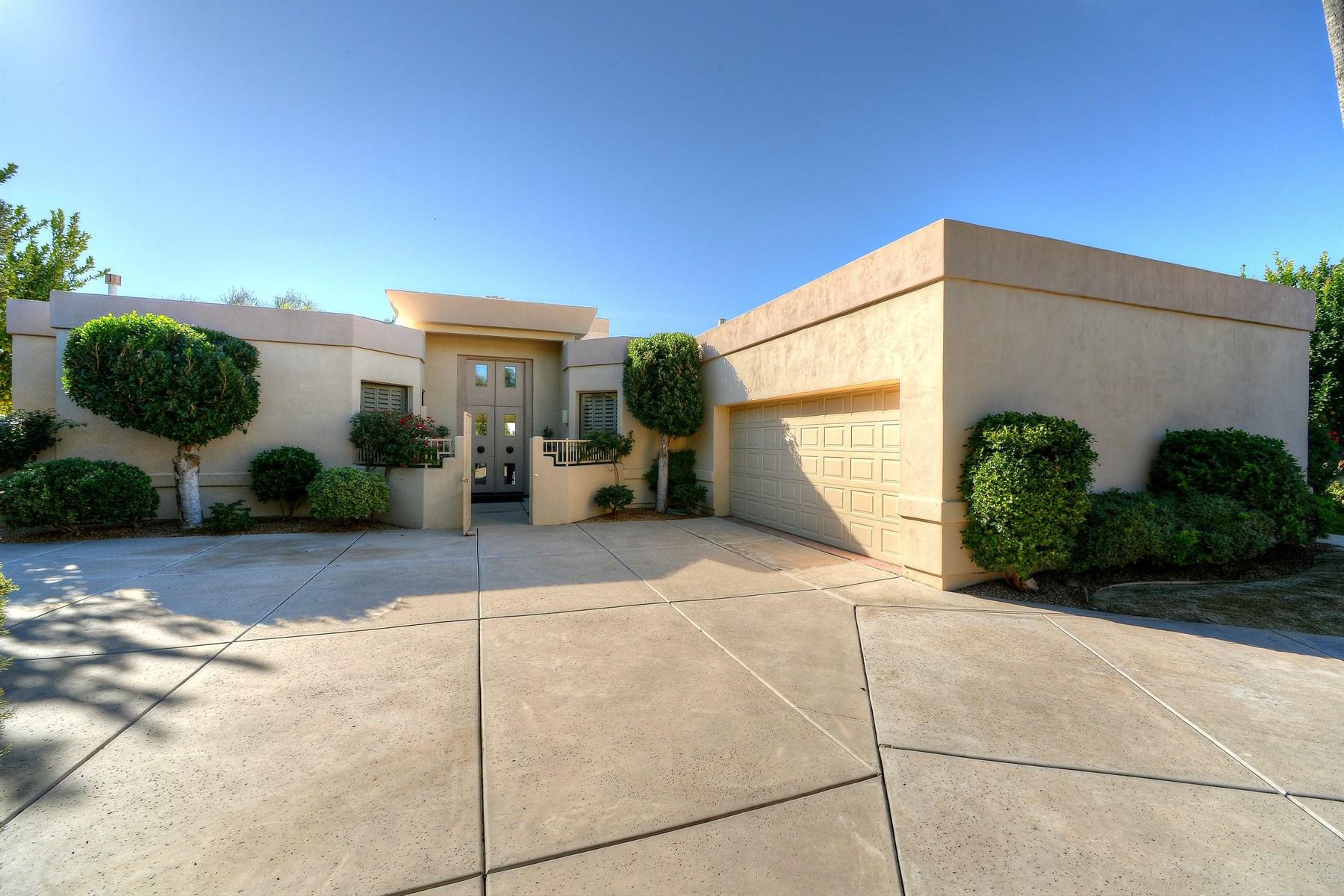 Tek Ailelik Ev için Satış at Coveted lakeside property located in prestigious Scottsdale Ranch 10295 E Cochise Dr Scottsdale, Arizona 85258 Amerika Birleşik Devletleri