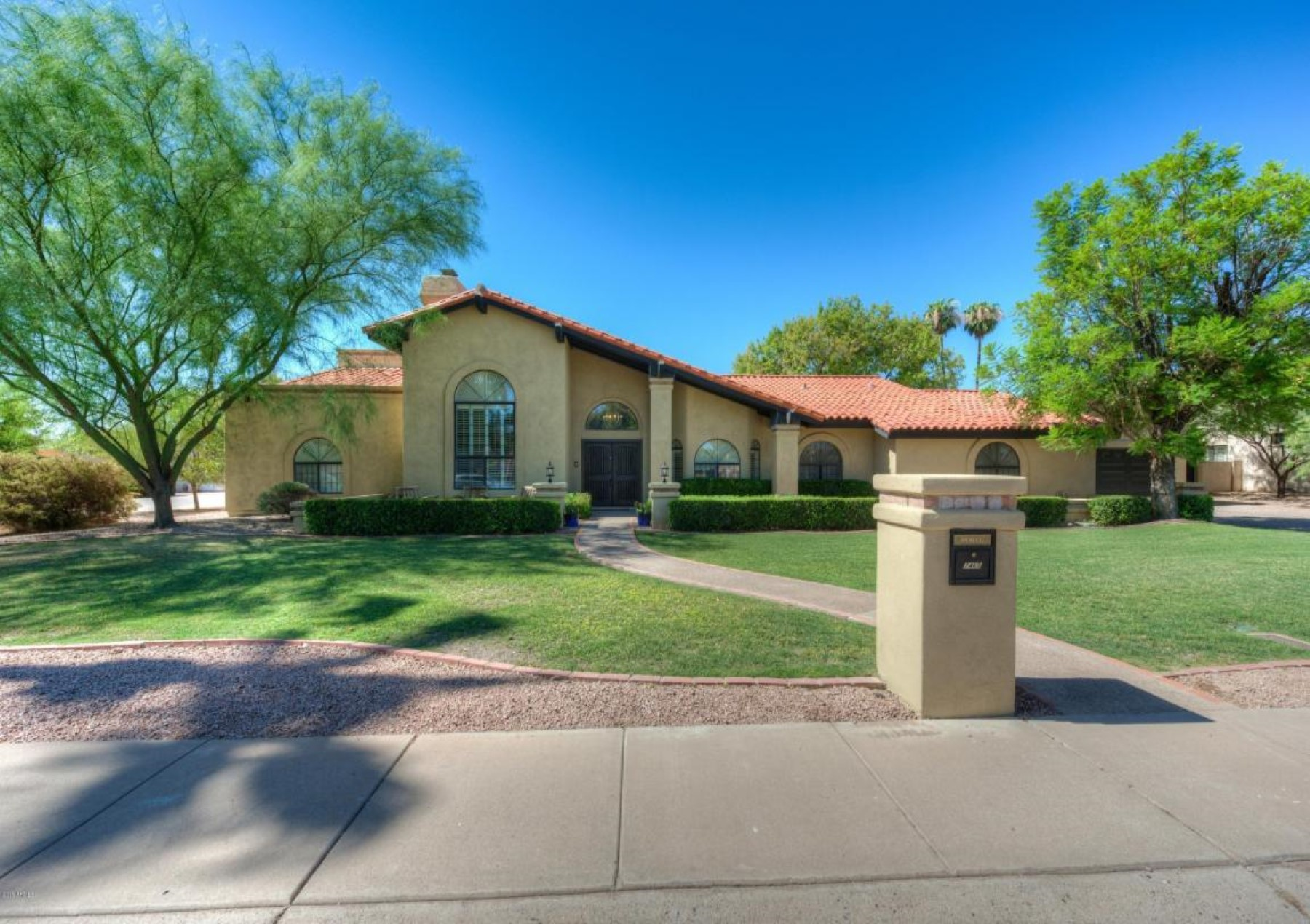 rentals property at Absolutely beautiful home in a private and extremely quiet cul-de-sac