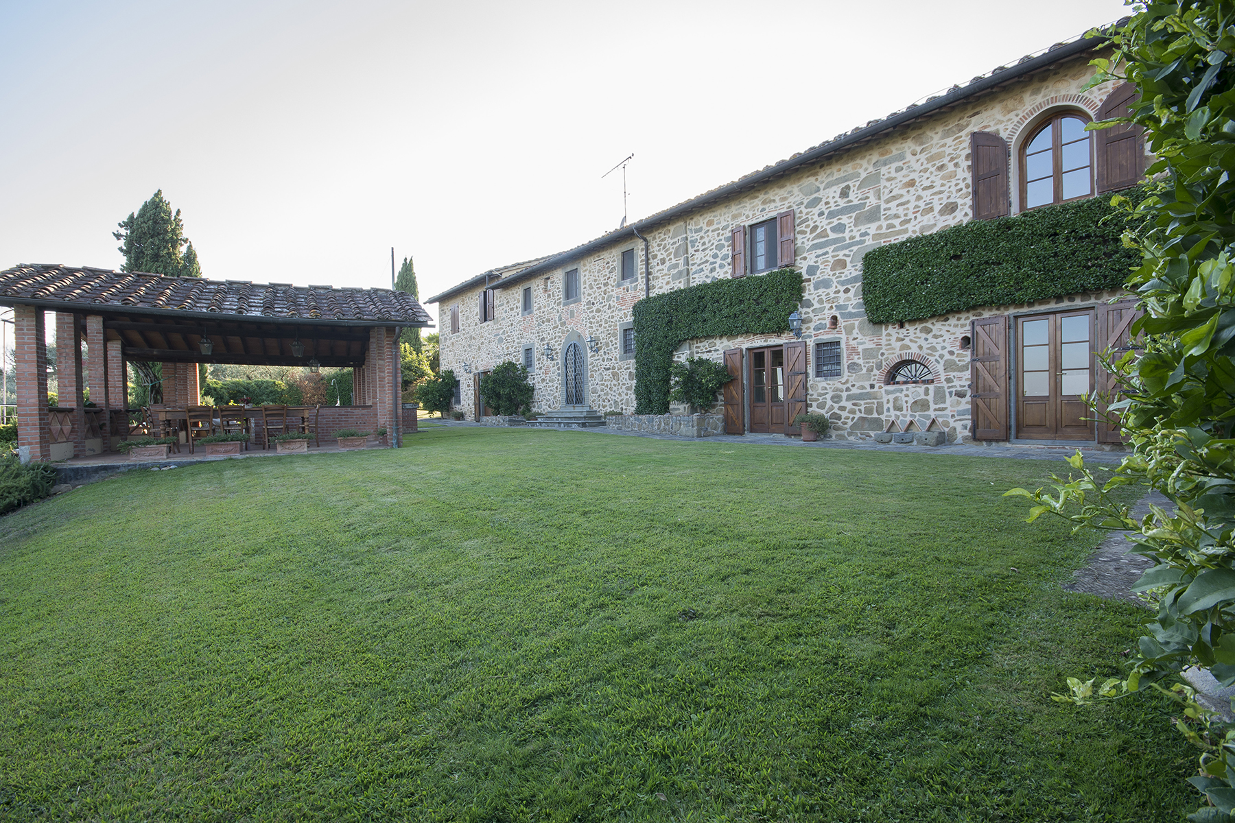 Additional photo for property listing at Lovely farmhouse with views of Montecatini Terme Montecatini Terme, Pistoia Italia