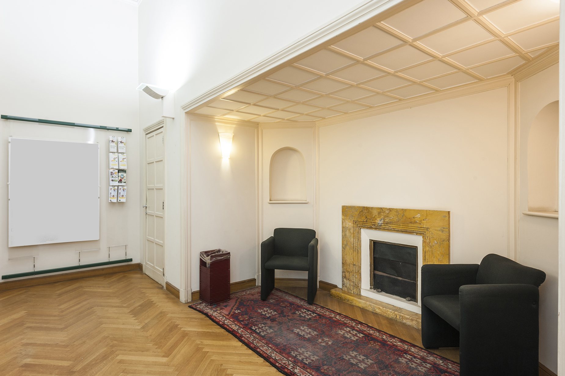 Additional photo for property listing at Prestigious period house with private parking Viale Gioacchino Rossini Rome, Rome 00197 Italien
