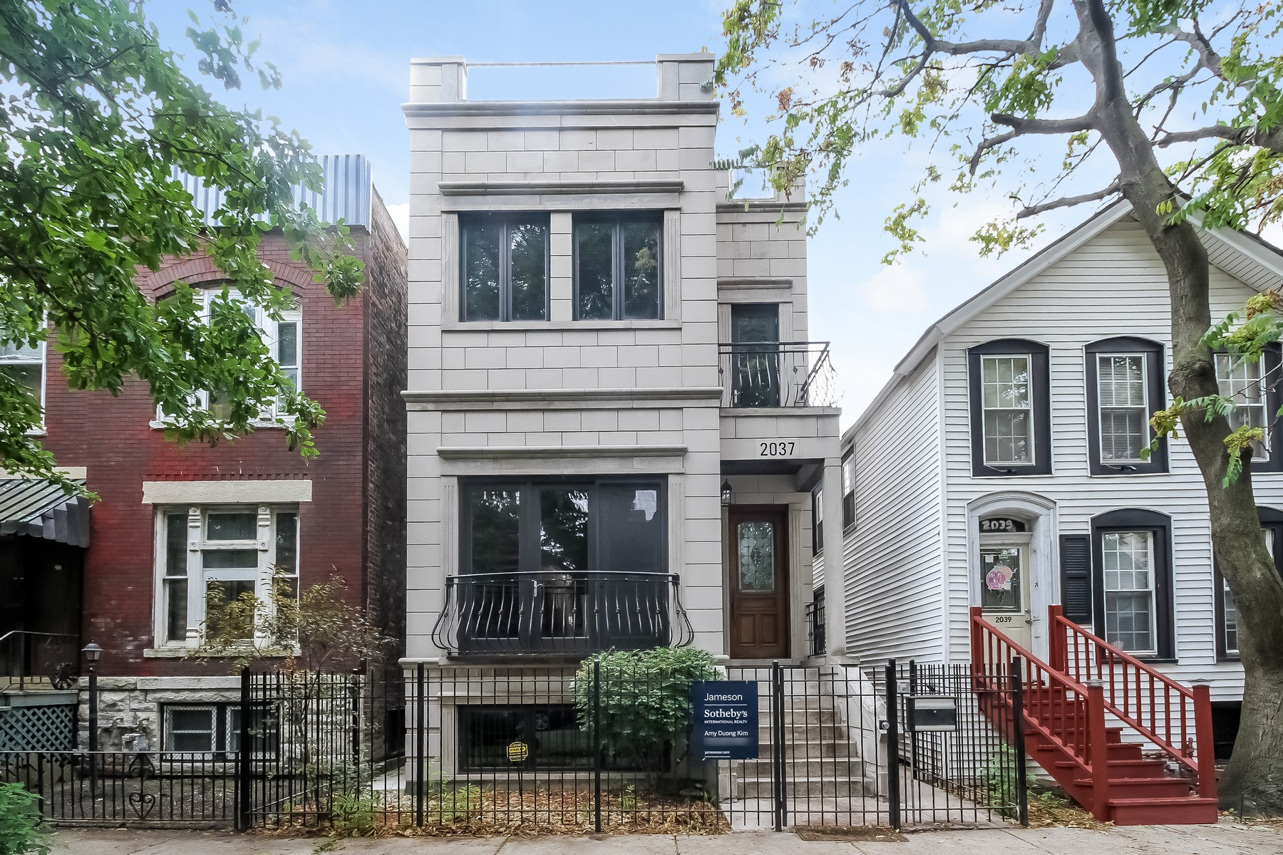 Vivienda unifamiliar por un Venta en Perfect Townhome Alternative! 2037 W Race Avenue West Town, Chicago, Illinois, 60612 Estados Unidos