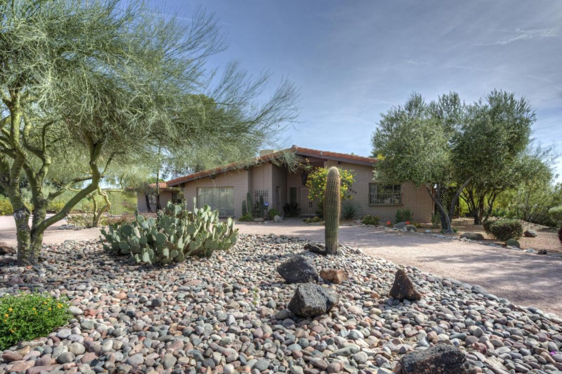 sales property at Wonderful home sits on a quiet cul-de-sac in the heart of Paradise Valley