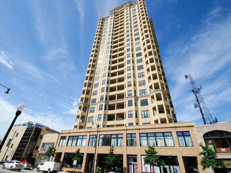独户住宅 为 销售 在 Amazing Duplex Penthouse 1464 S Michigan Avenue #2403 Near South Side, Chicago, 伊利诺斯州 60605 美国