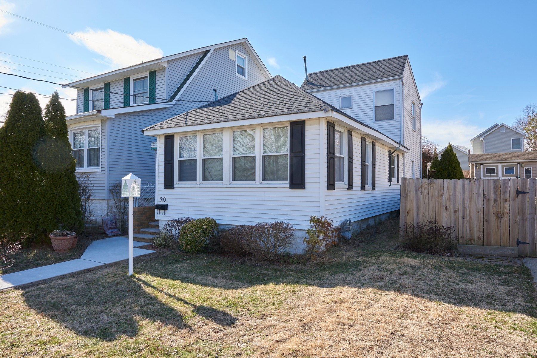 Single Family Home for Sale at 20 Florene Ave. 20 Florence Ave. Leonardo, New Jersey 07737 United States