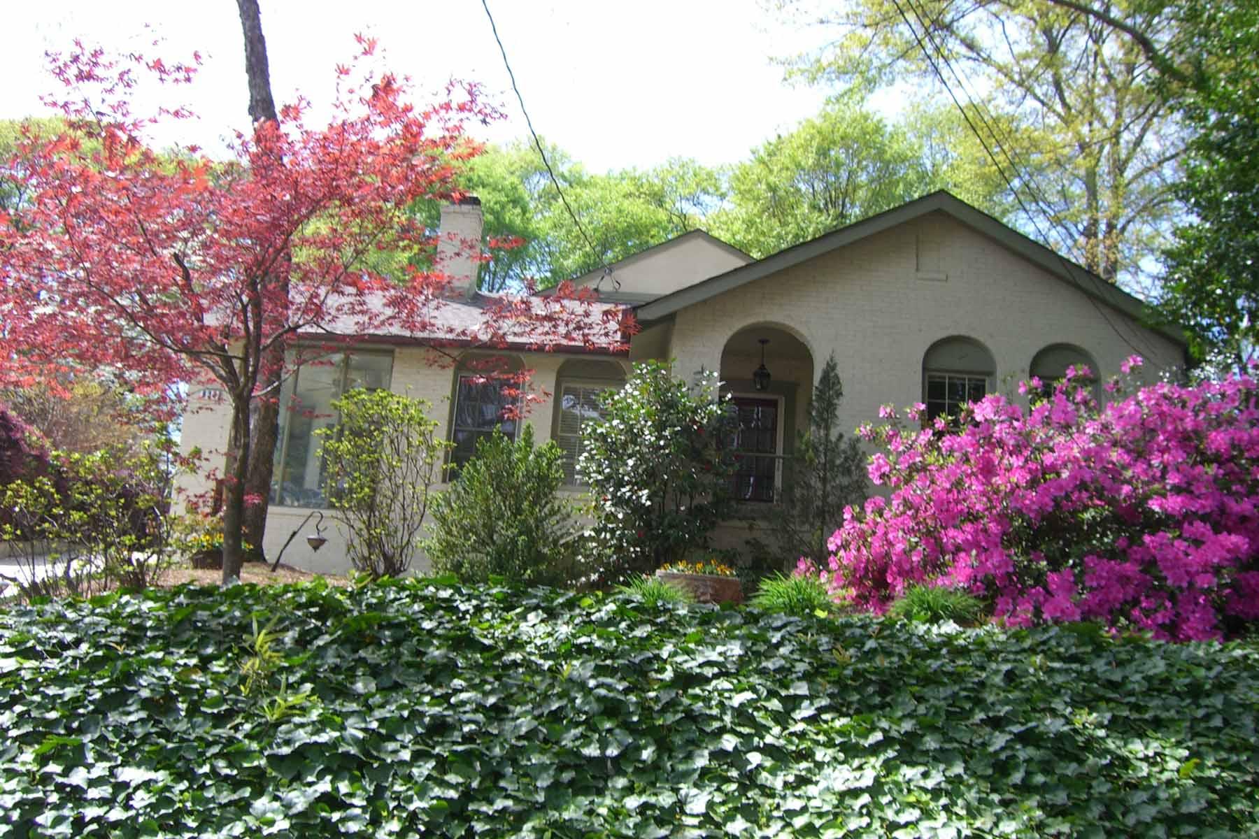 Villa per Vendita alle ore Charming Hilltop Cottage with Pool 830 Mentelle Drive Midtown, Atlanta, Georgia, 30308 Stati Uniti