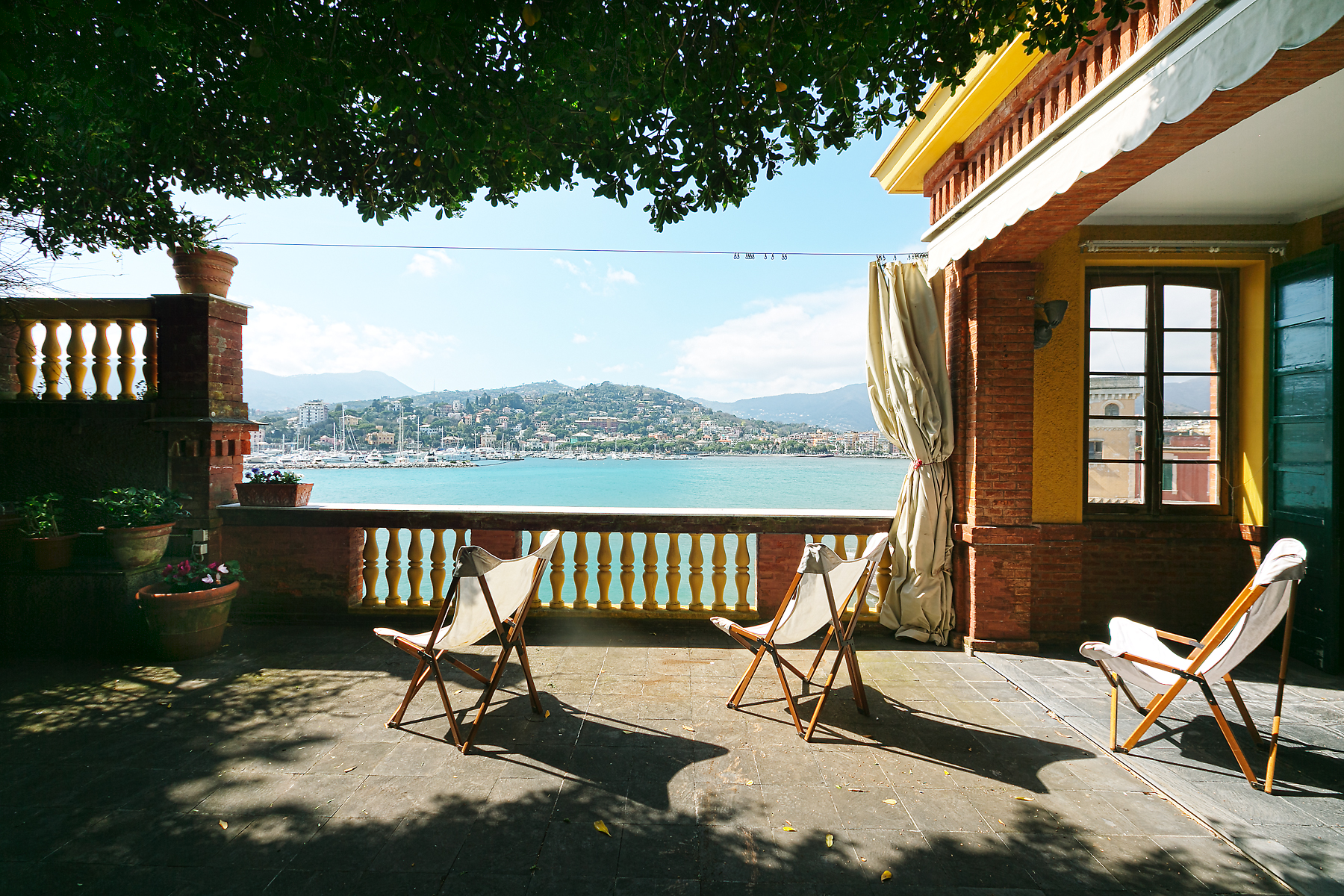 Additional photo for property listing at Magnificent two-story waterfront residence Via Avenaggi Rapallo, Genoa 16035 Italy