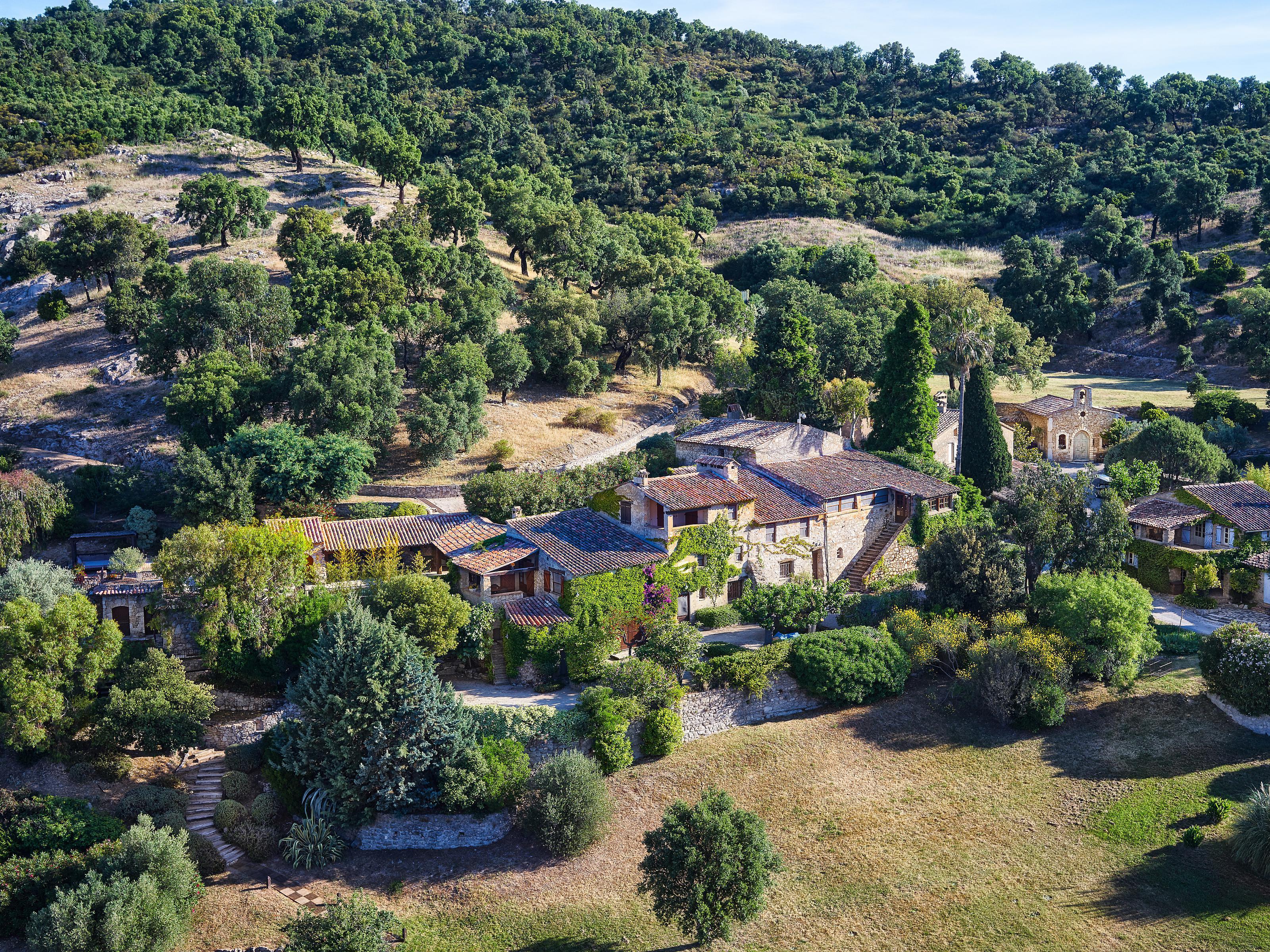 Anderer Wohnungstyp für Verkauf beim THE PROVENÇAL ESTATE OF JOHNNY DEPP Plan-de-la-Tour Saint Tropez, Plan-De-La-Tour, Provence-Alpes-Cote D'Azur 83120 Frankreich