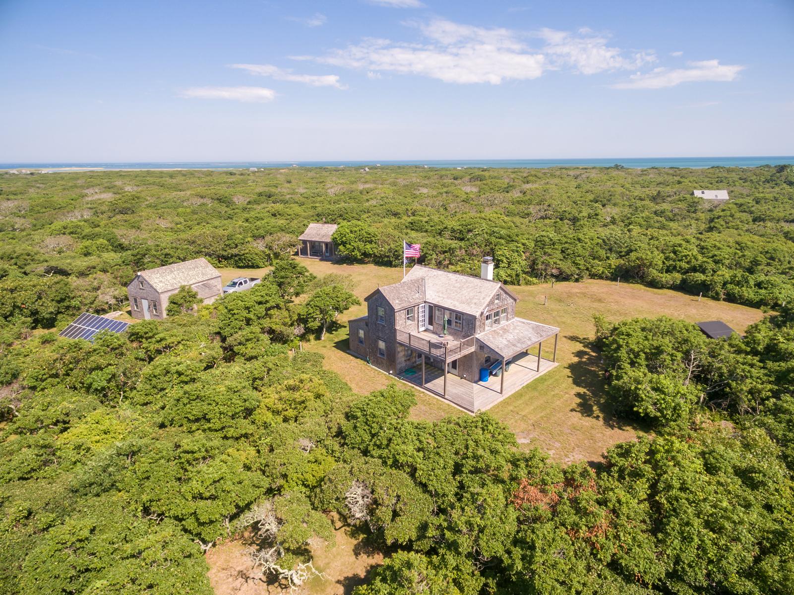 Villa per Vendita alle ore Sensational Compound Tuckernuck Nantucket, Massachusetts, 02554 Stati Uniti