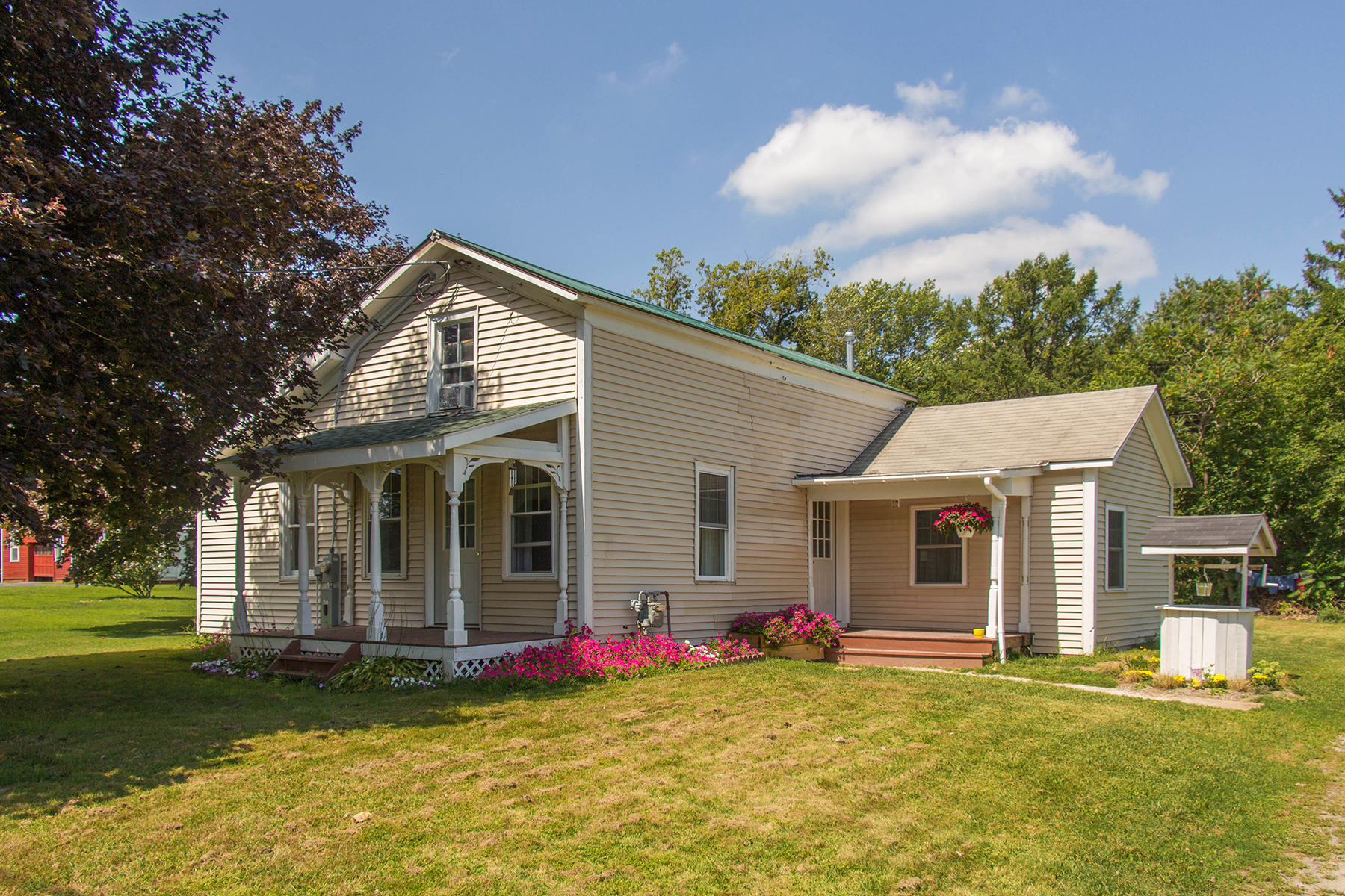 Các loại nhà khác vì Bán tại Country Living 114 King Road Schuylerville, New York 12871 Hoa Kỳ
