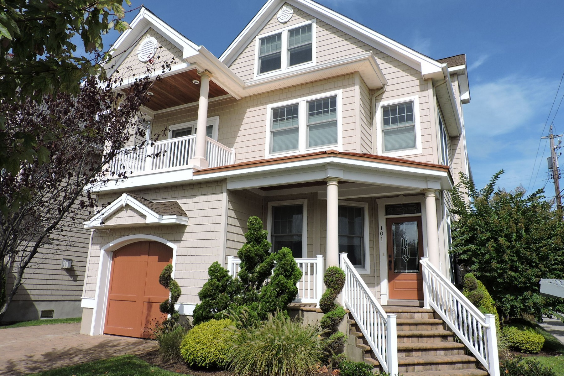 Property For Sale at 101 N Rumson ave