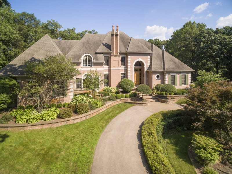 Single Family Home for Sale at Beautiful Estate 0S687 Autumn Woods Lane Elburn, Illinois 60119 United States