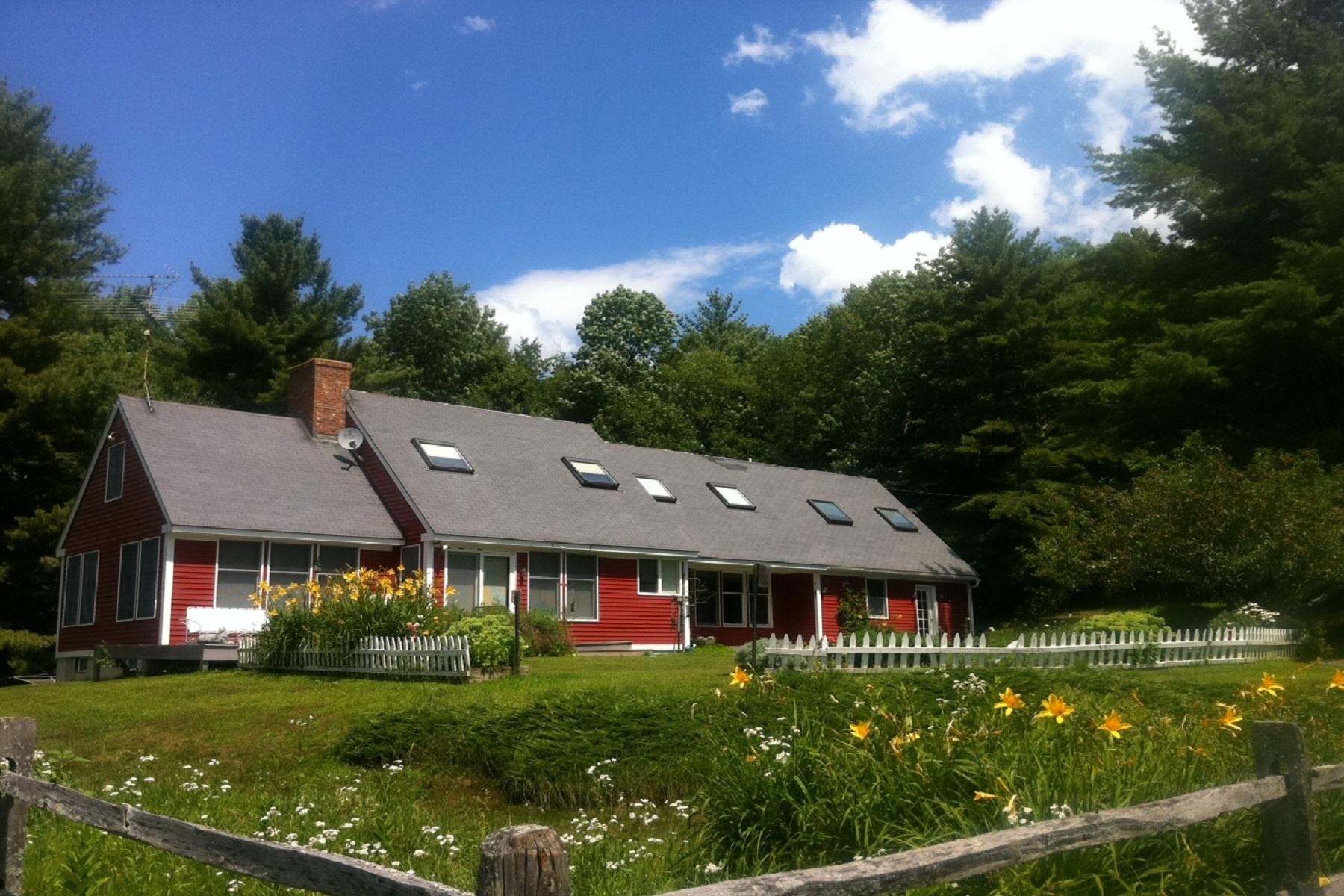 Vivienda unifamiliar por un Venta en Lovely Equestrian Property 376 Spear Cemetary Road Reading, Vermont, 05062 Estados Unidos