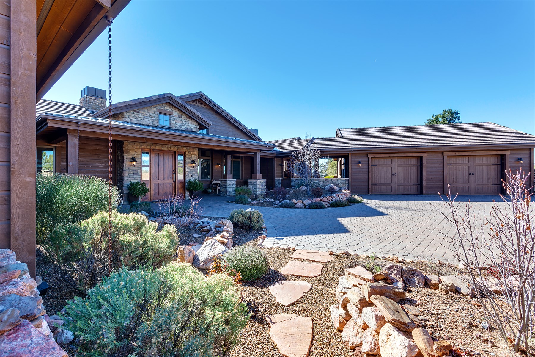Moradia para Venda às Gorgeous Custom Home On 1.73 Acres With Spectacular Views 15085 N Four Mile Creek Lane Prescott, Arizona 86305 Estados Unidos