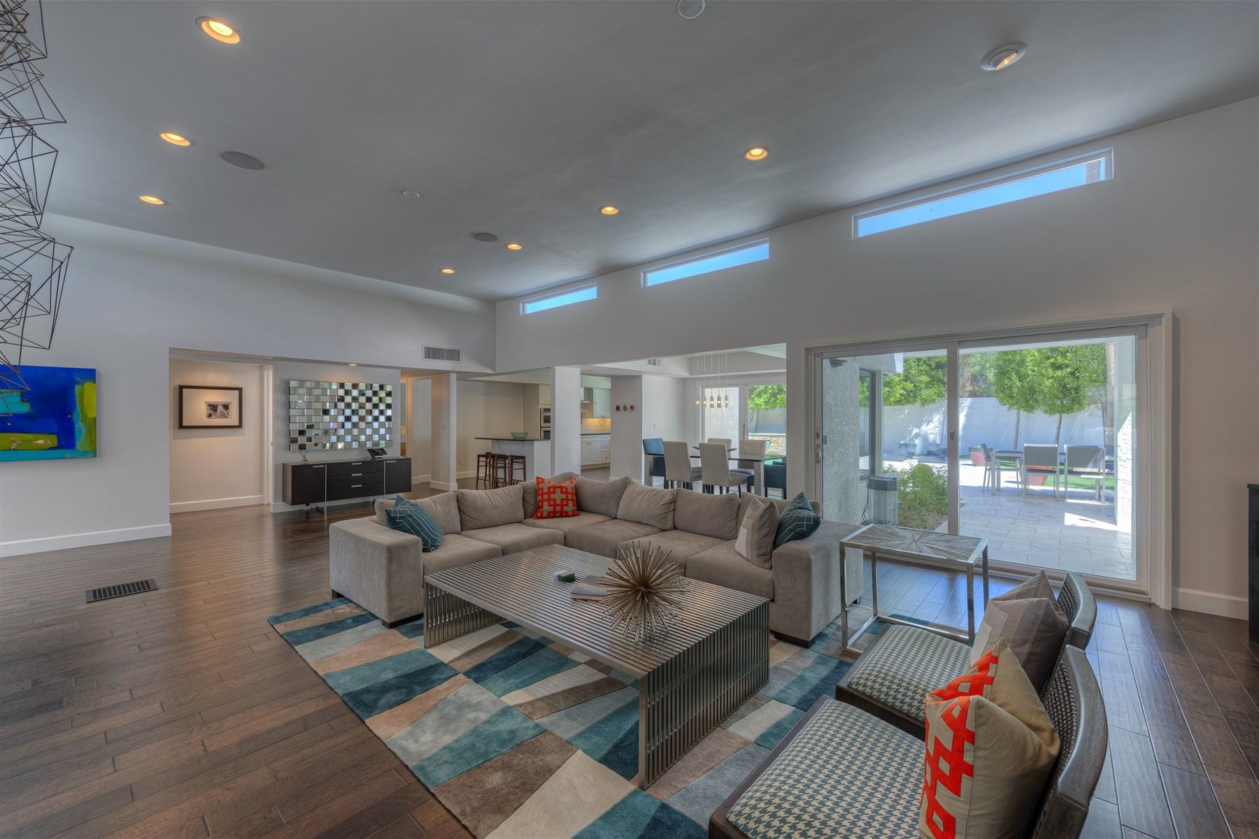단독 가정 주택 용 매매 에 Beautiful home in McCormick Ranch 9457 N 82nd St Scottsdale, 아리조나 85258 미국