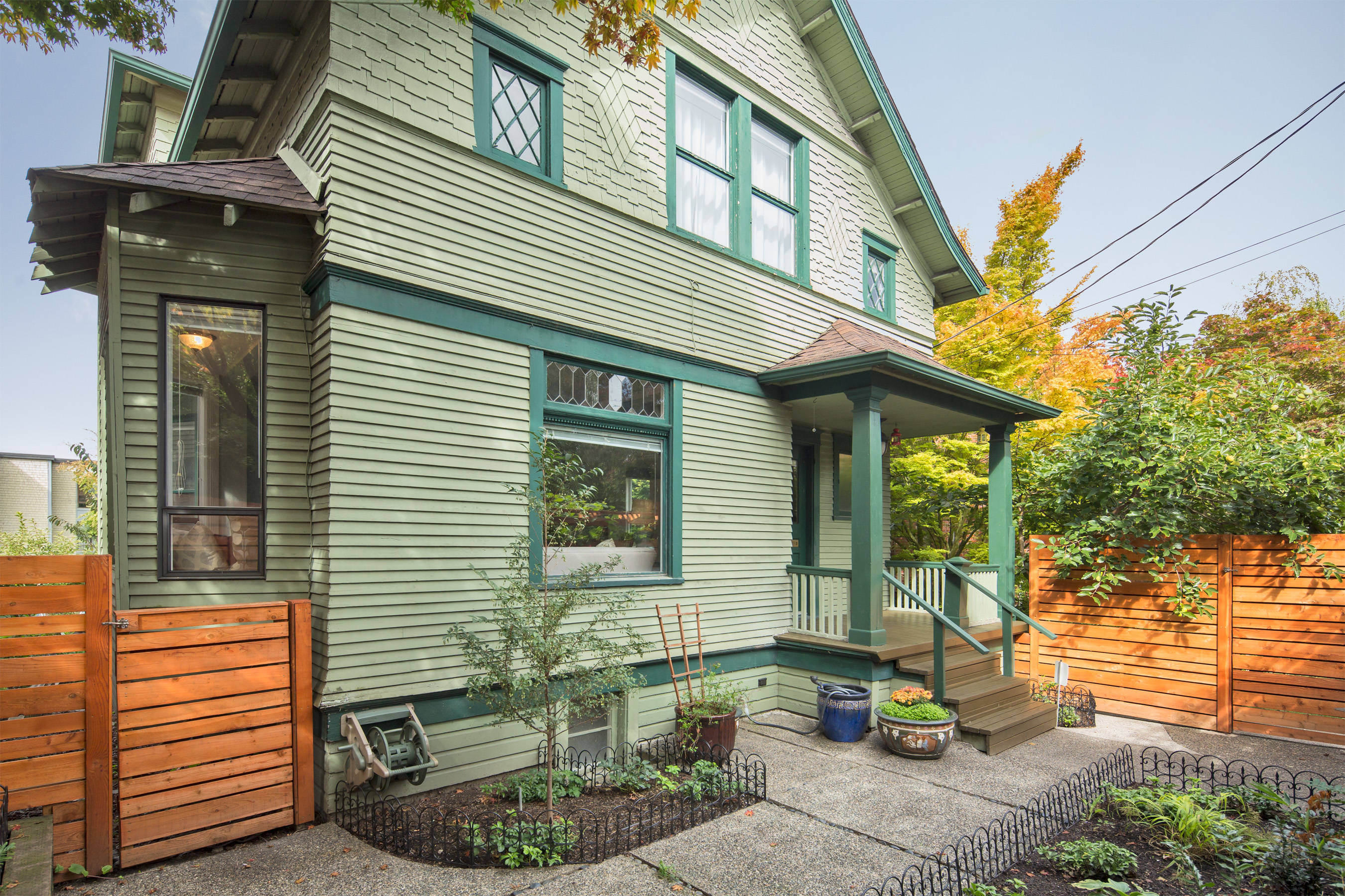 Single Family Home for Sale at Capitol Hill Victorian 2015 10th Ave E Seattle, Washington 98102 United States
