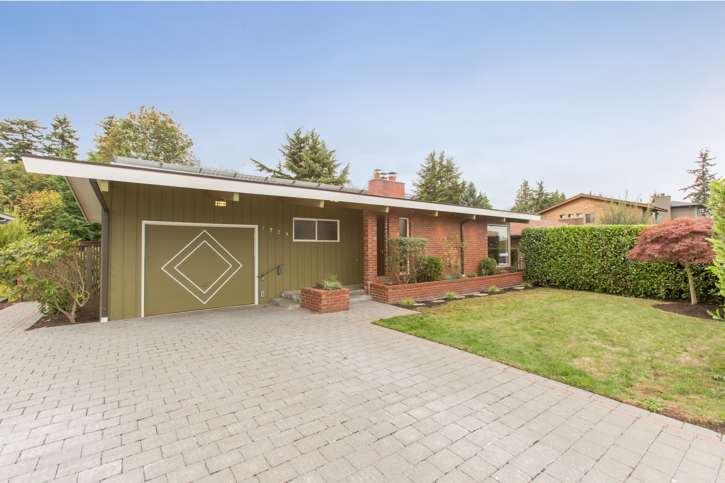 Single Family Home for Sale at King House 1723 NW 99th St Seattle, Washington 98117 United States