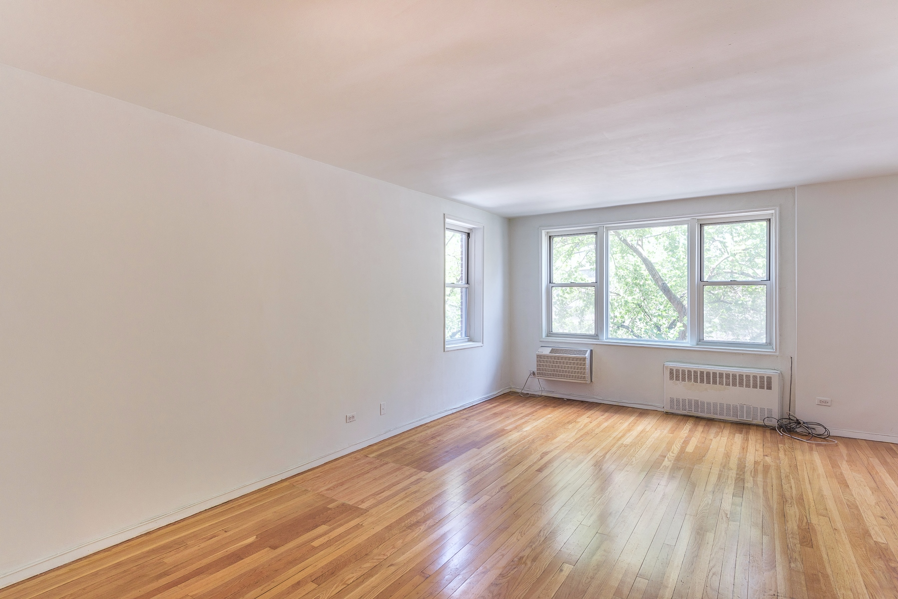 Co-op for Sale at New to Market - Large Alcove Studio 3475 Greystone Avenue 3F Riverdale, New York 10463 United States