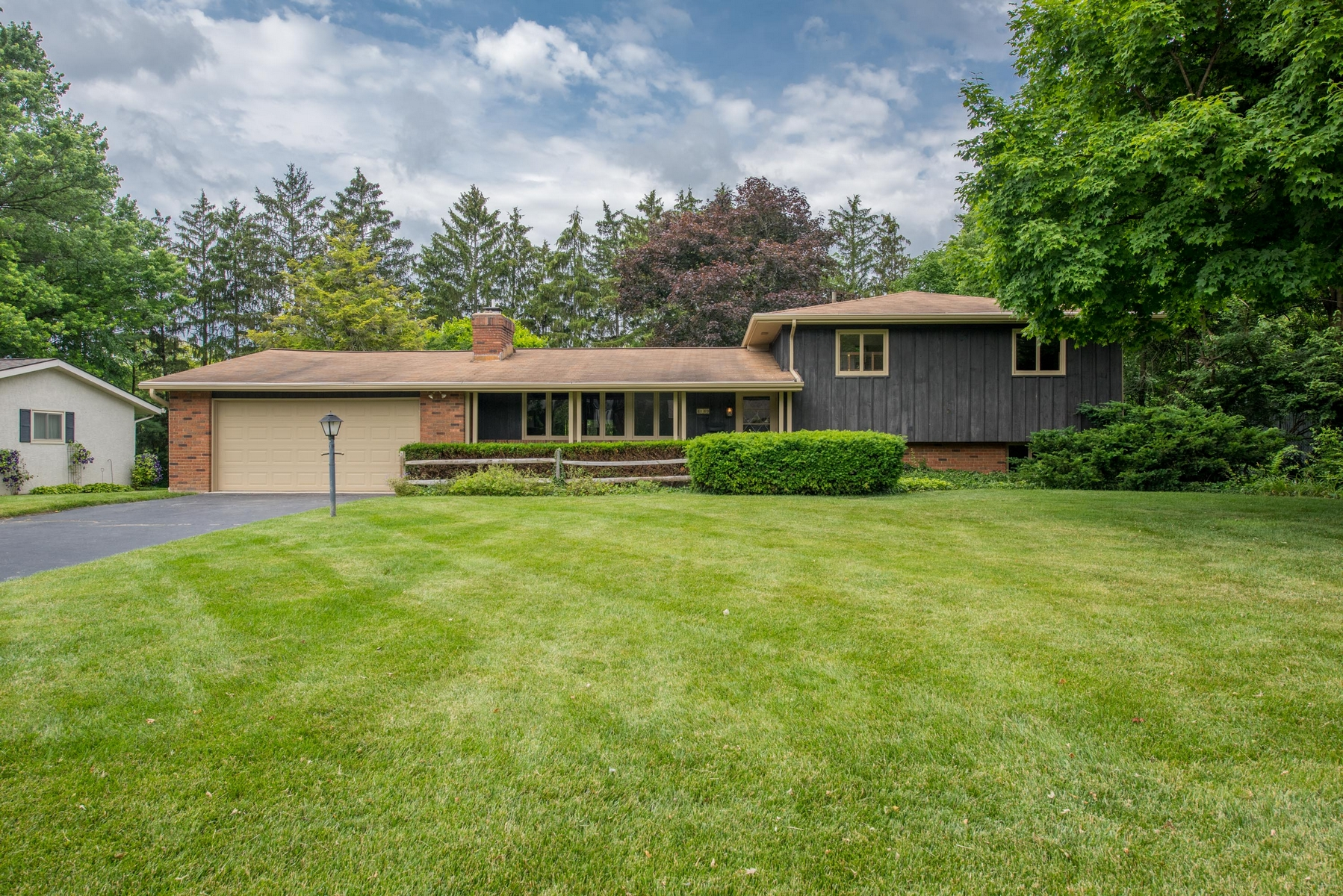 sales property at 4149 Winfield Road