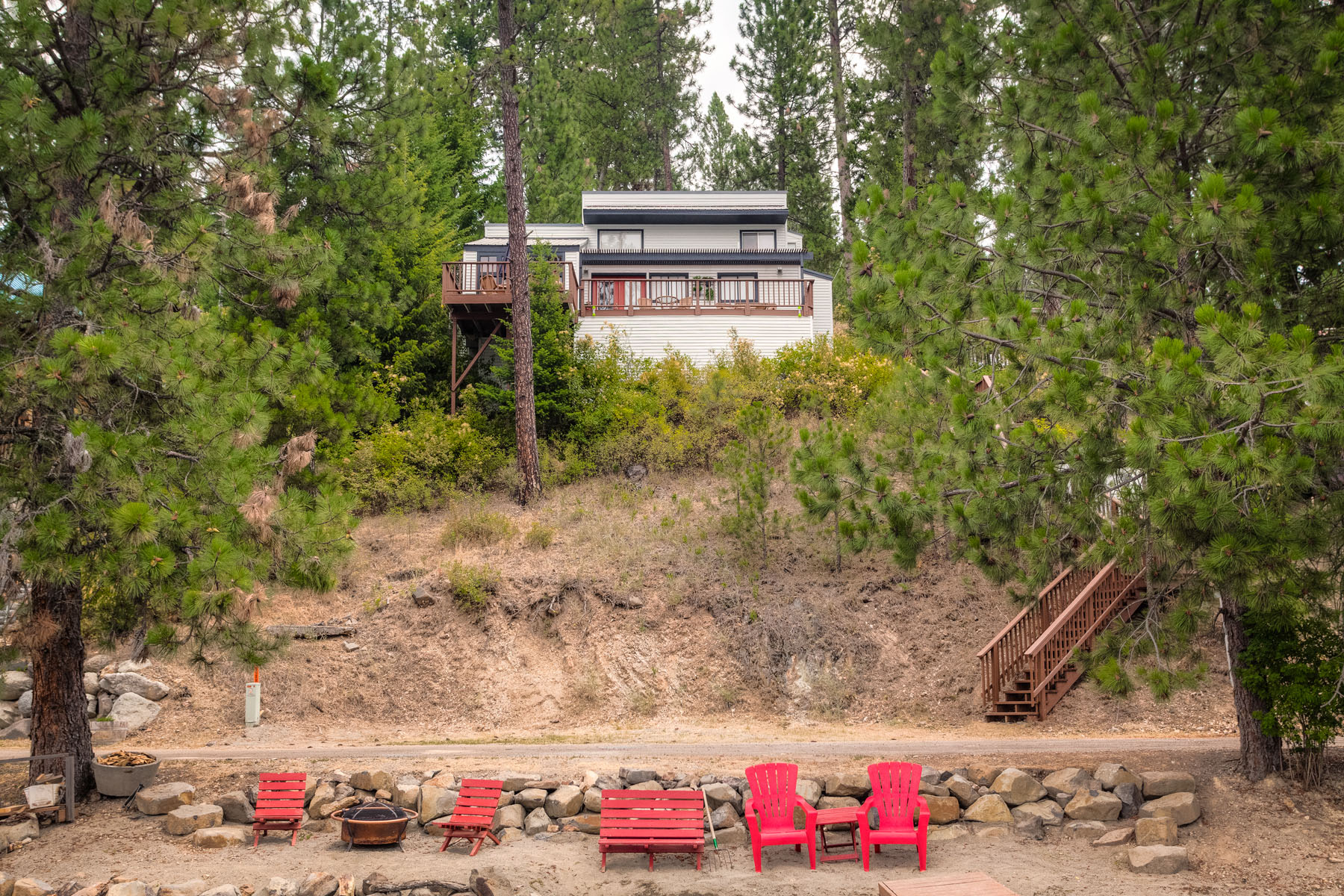 Casa Unifamiliar por un Venta en 15 Minutes From Downtown Coeur d'Alene 5380 S. Squaw Bay Rd. Harrison, Idaho 83833 Estados Unidos