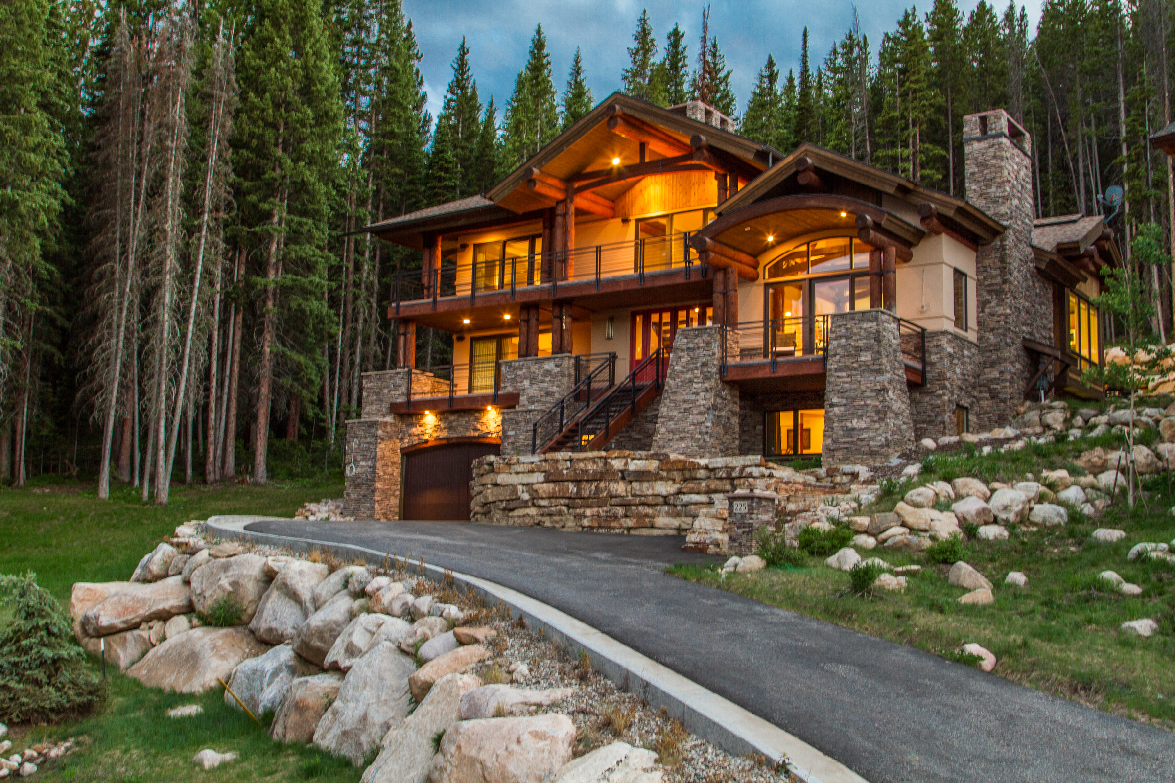 Single Family Home for Sale at Ski-inSki-out Moutain Home 225 Bridger Trl Winter Park, Colorado, 80482 United States