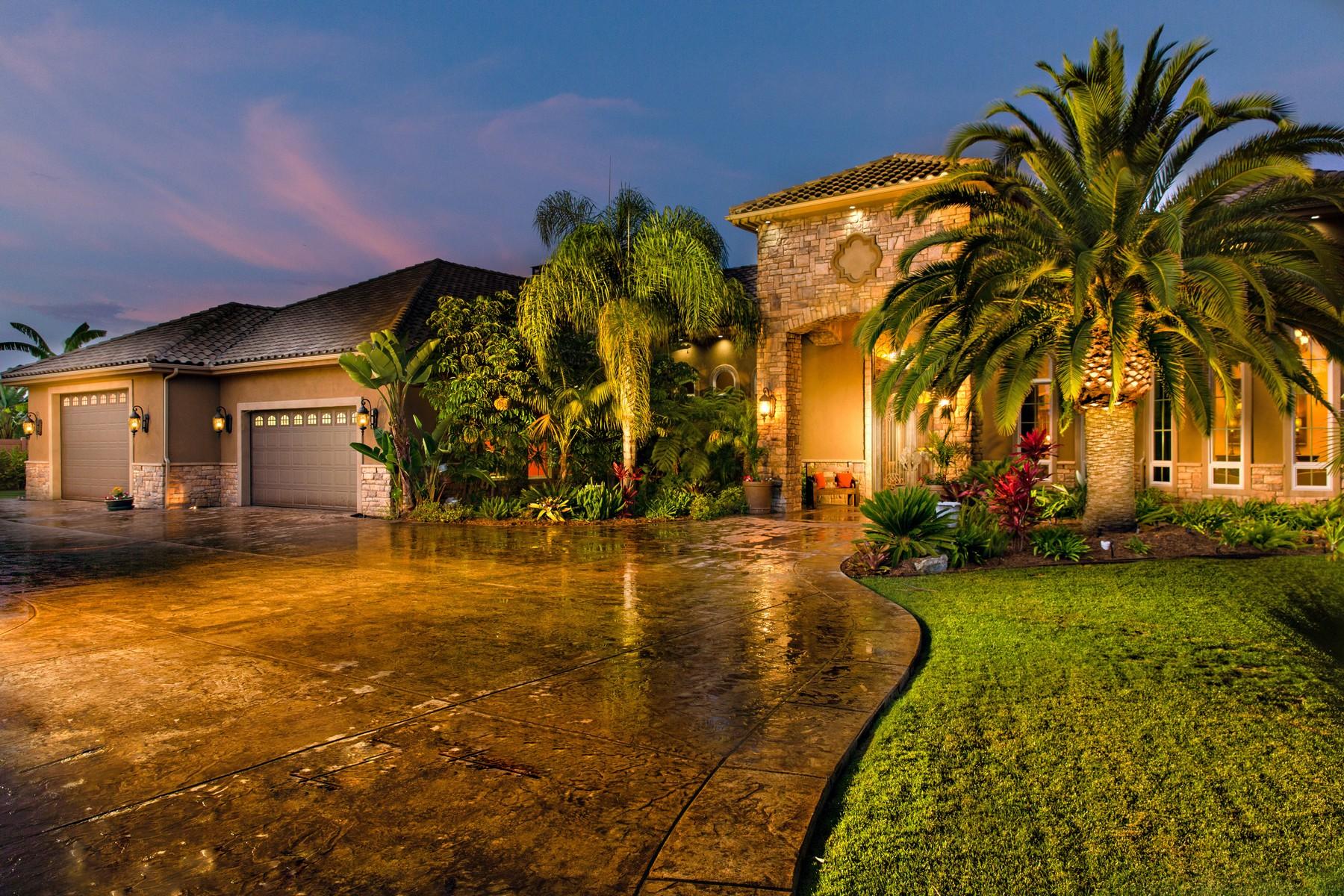 Single Family Home for Sale at 1010 Miramar Drive Vista, California, 92081 United States
