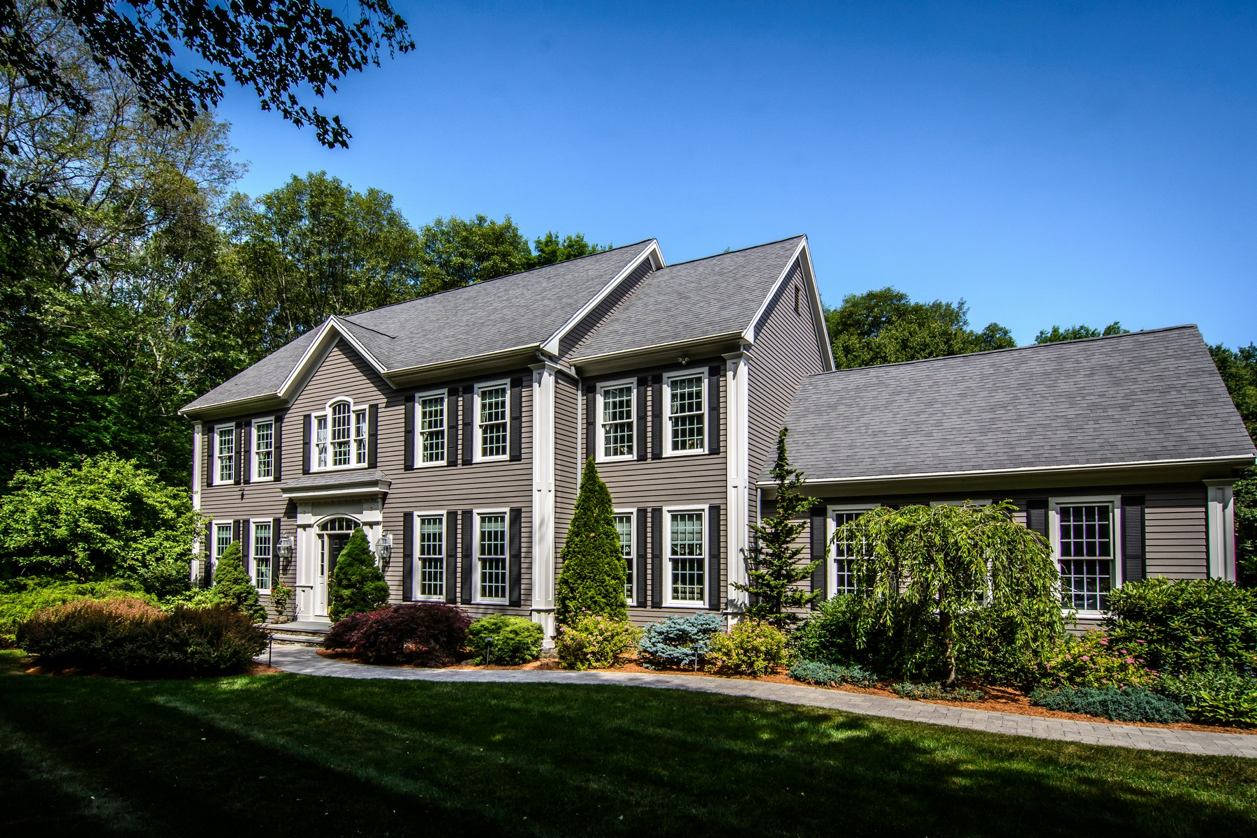 sales property at Colonial in Woodland Preserve