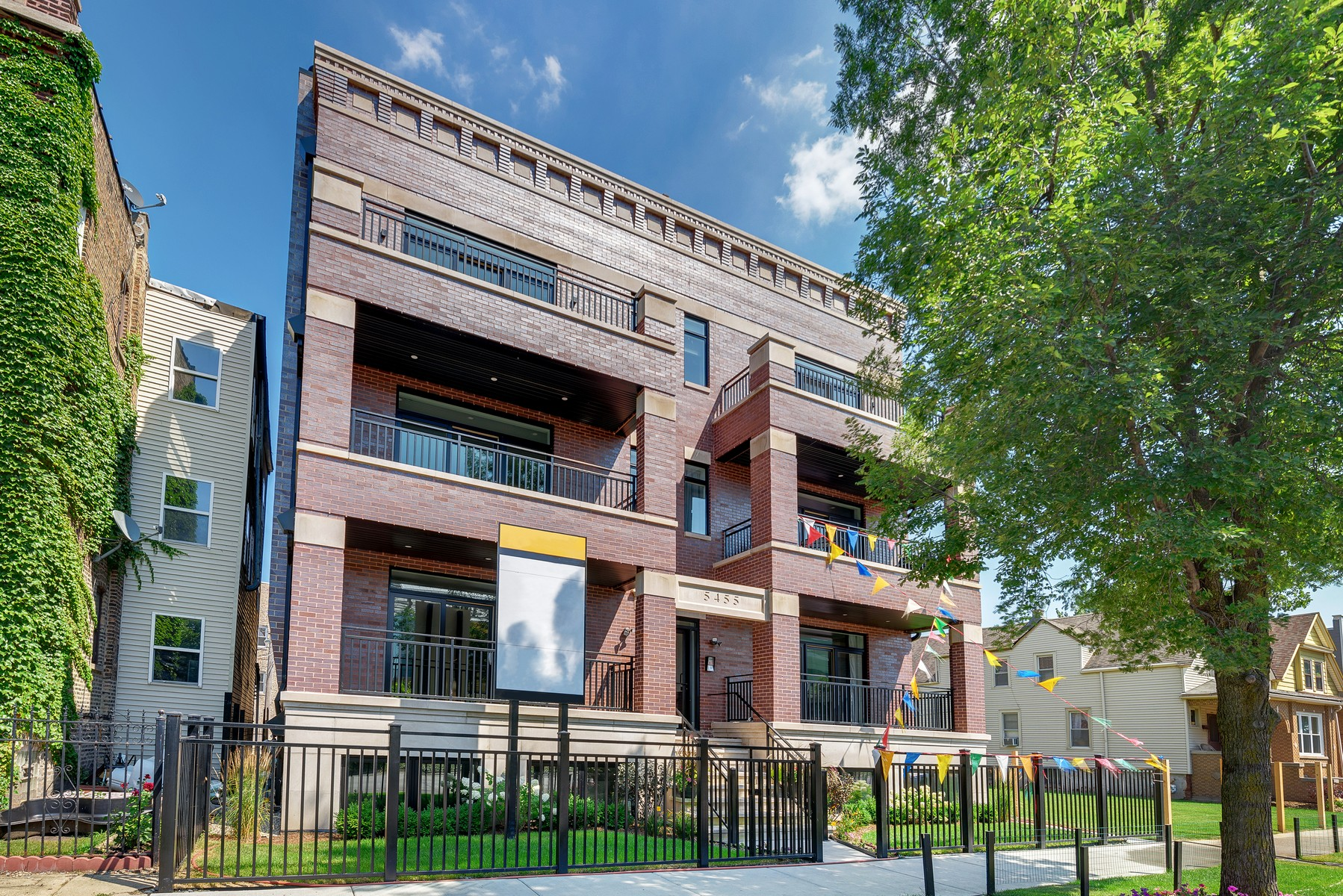 Condominium for Sale at Andersonville's hottest new development! 5455 N Ravenswood Ave Unit 1N Lakeview, Chicago, Illinois, 60640 United States