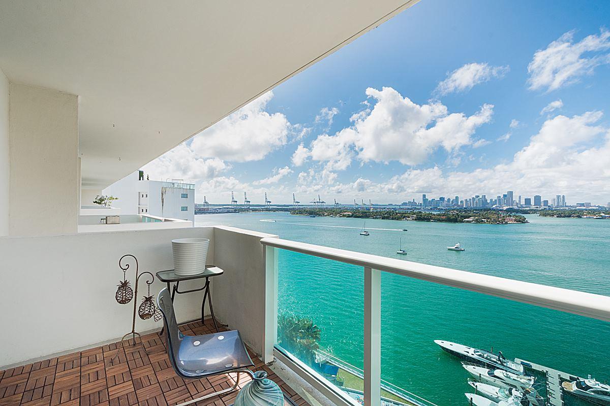 Casa Unifamiliar Adosada por un Venta en 1200 West Ave PH-02 Miami Beach, Florida 33319 Estados Unidos