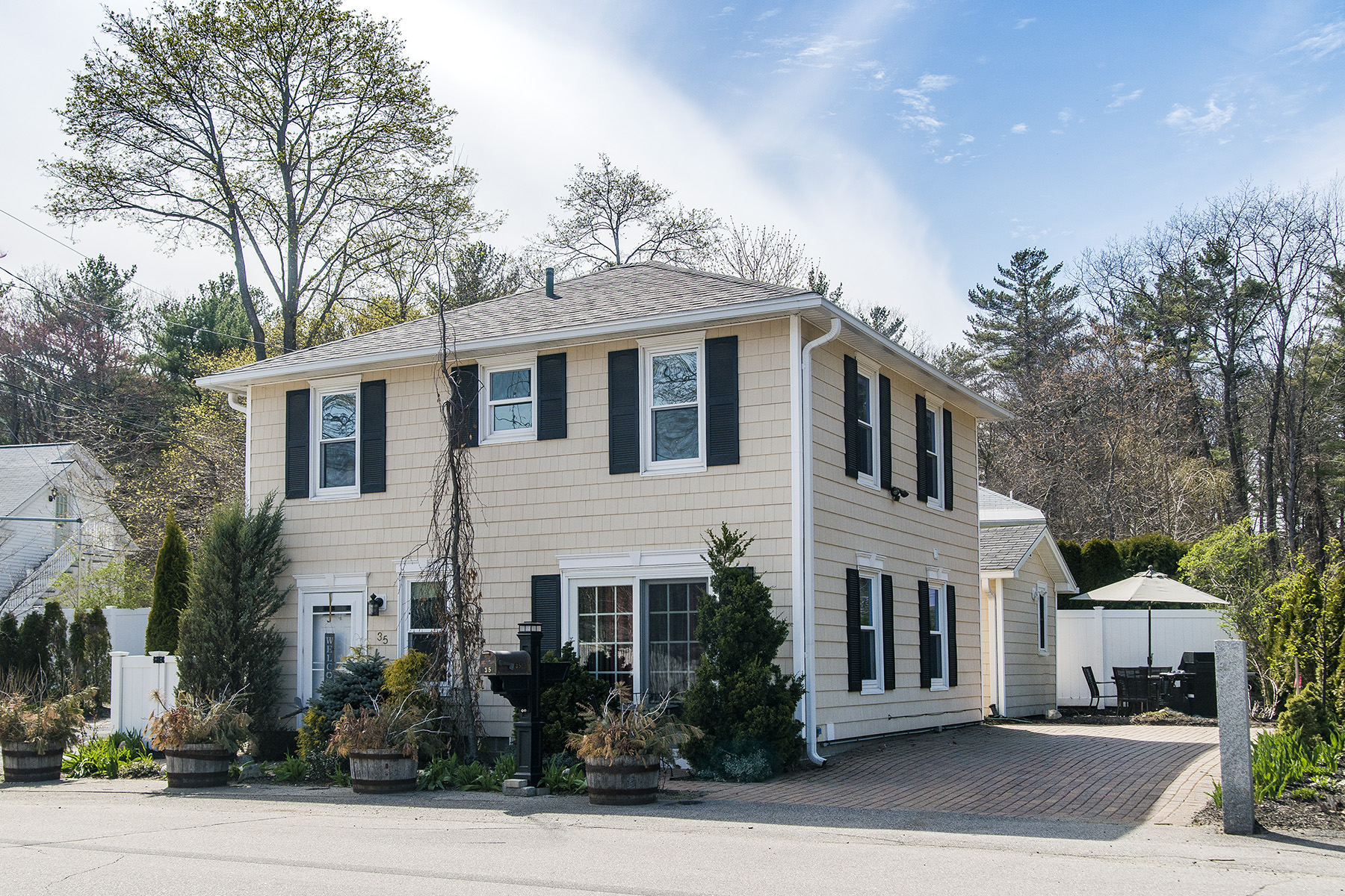 Single Family Home for Sale at 35 Kings Lane Ogunquit, Maine, 03907 United States