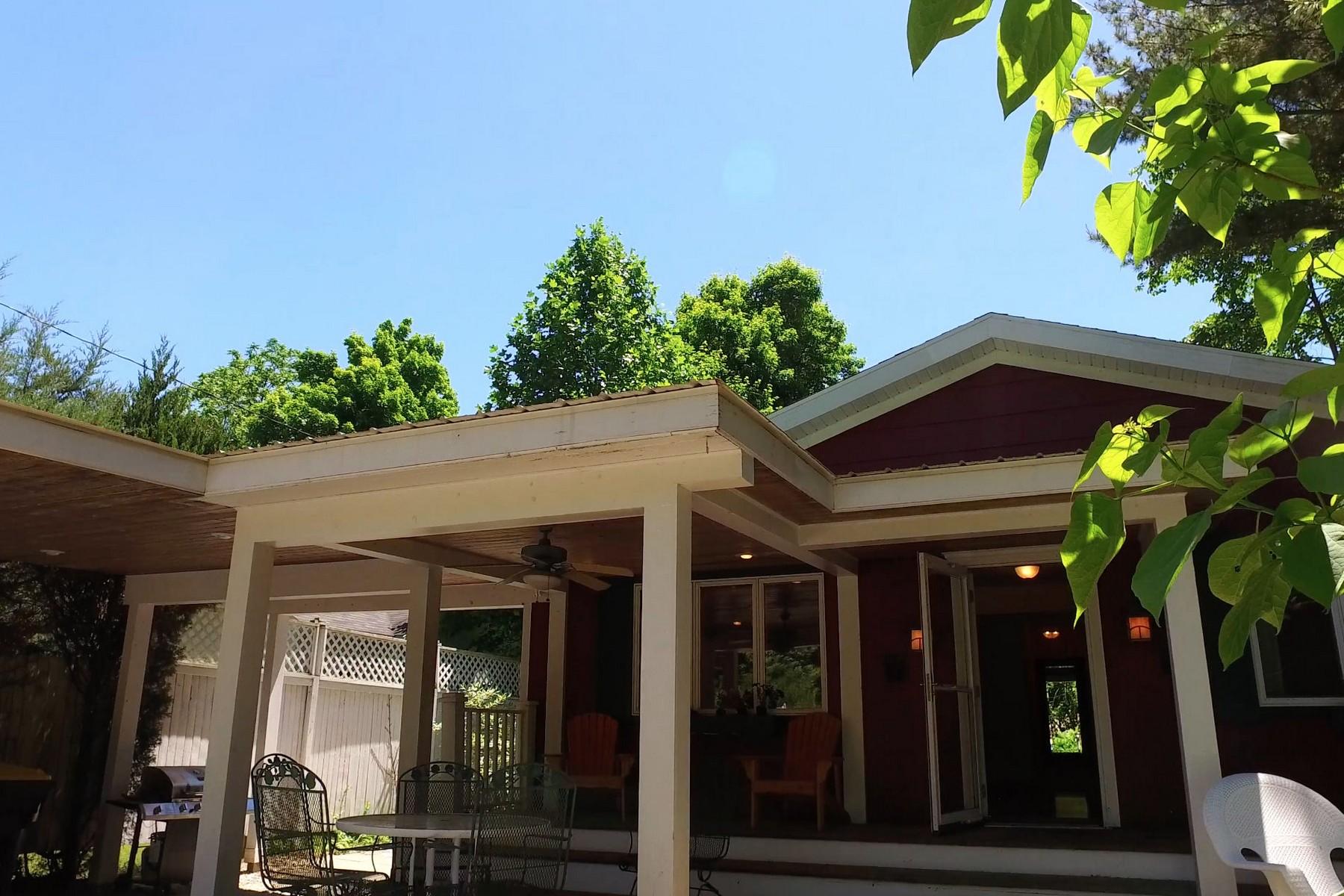 단독 가정 주택 용 매매 에 Open Concept Ranch Home 134 Webster South Haven, 미시건, 49090 미국