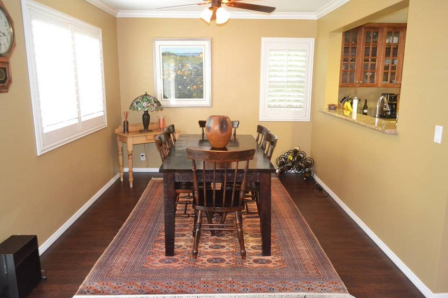 Appartement en copropriété pour l Vente à 6584 Corte La Paz Carlsbad, Californie 92009 États-Unis