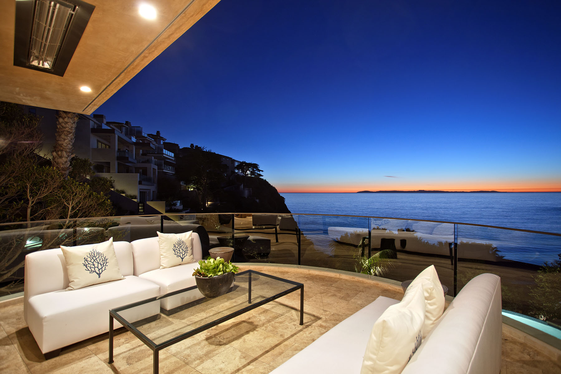 Single Family Home for Sale at 165 Emerald Bay Laguna Beach, California, 92651 United States
