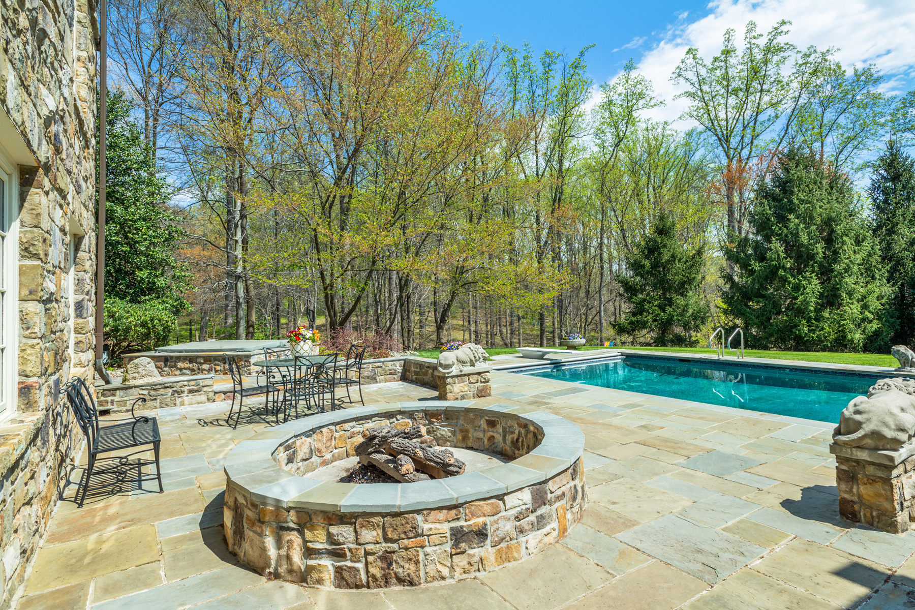 Additional photo for property listing at 8610 Country Club Drive, Bethesda  Bethesda, Μεριλαντ 20817 Ηνωμενεσ Πολιτειεσ