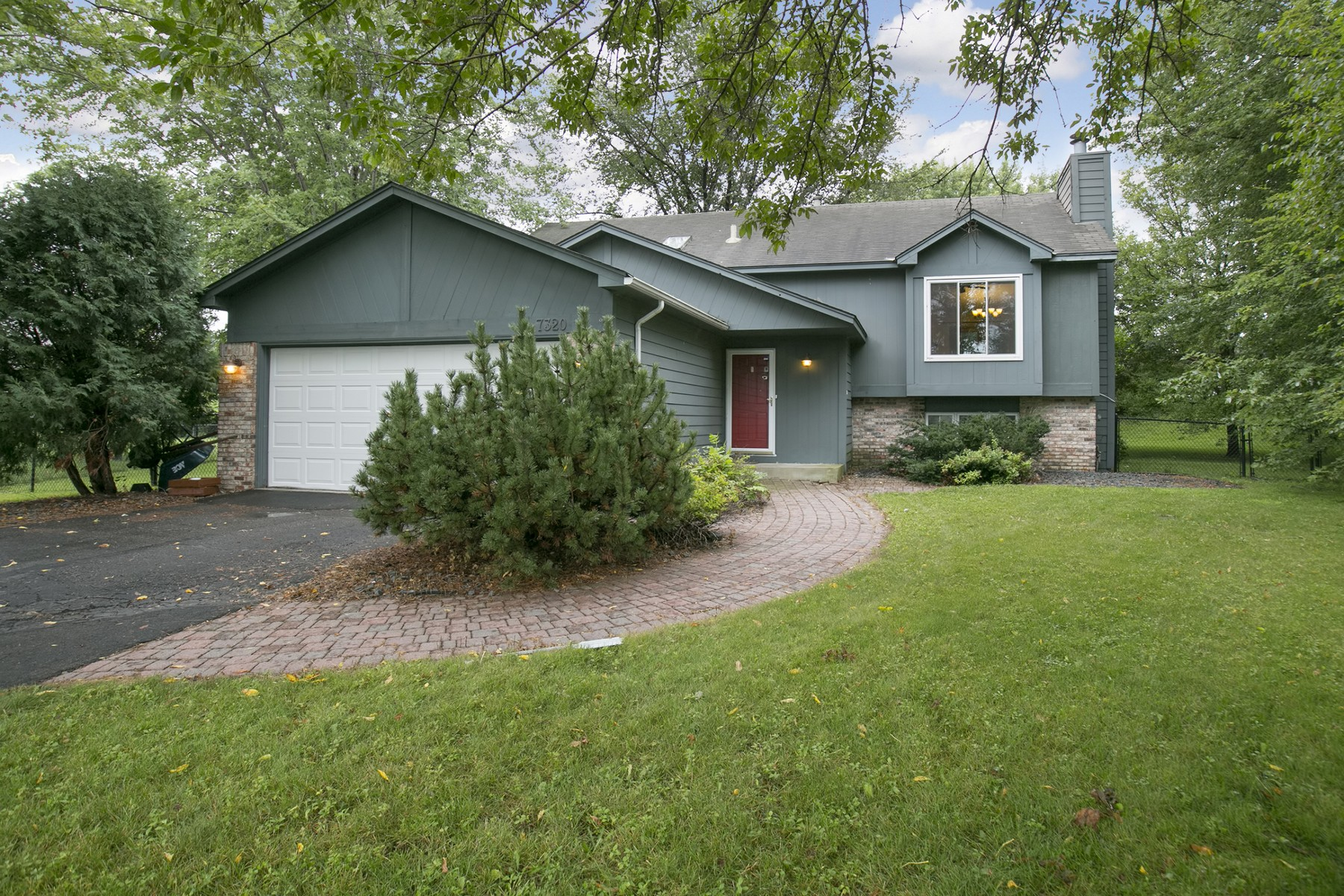 Single Family Home for Sale at 7320 Cactus Curve Chanhassen, Minnesota 55317 United States