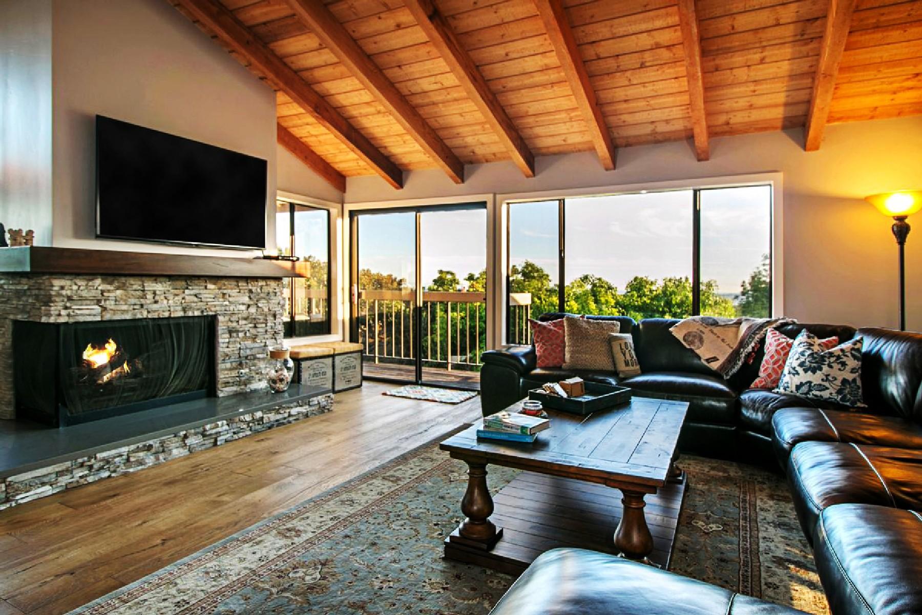 Maison de Ville pour l Vente à 6417 Caminto Sinnecock 6417 Camino Sinnecock La Jolla, Californie 92037 États-Unis