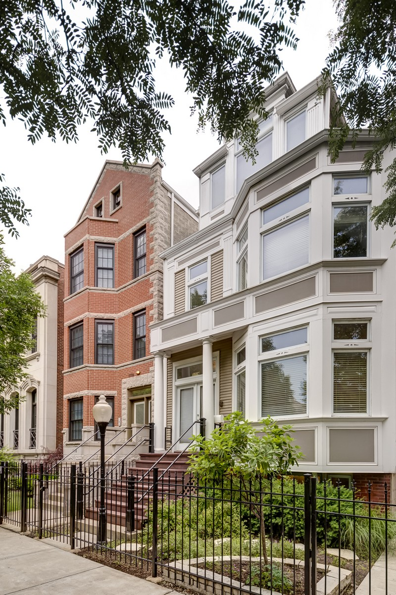단독 가정 주택 용 매매 에 Extra Large Home In Lincoln Park 1114 W Wrightwood Avenue Lincoln Park, Chicago, 일리노이즈, 60614 미국