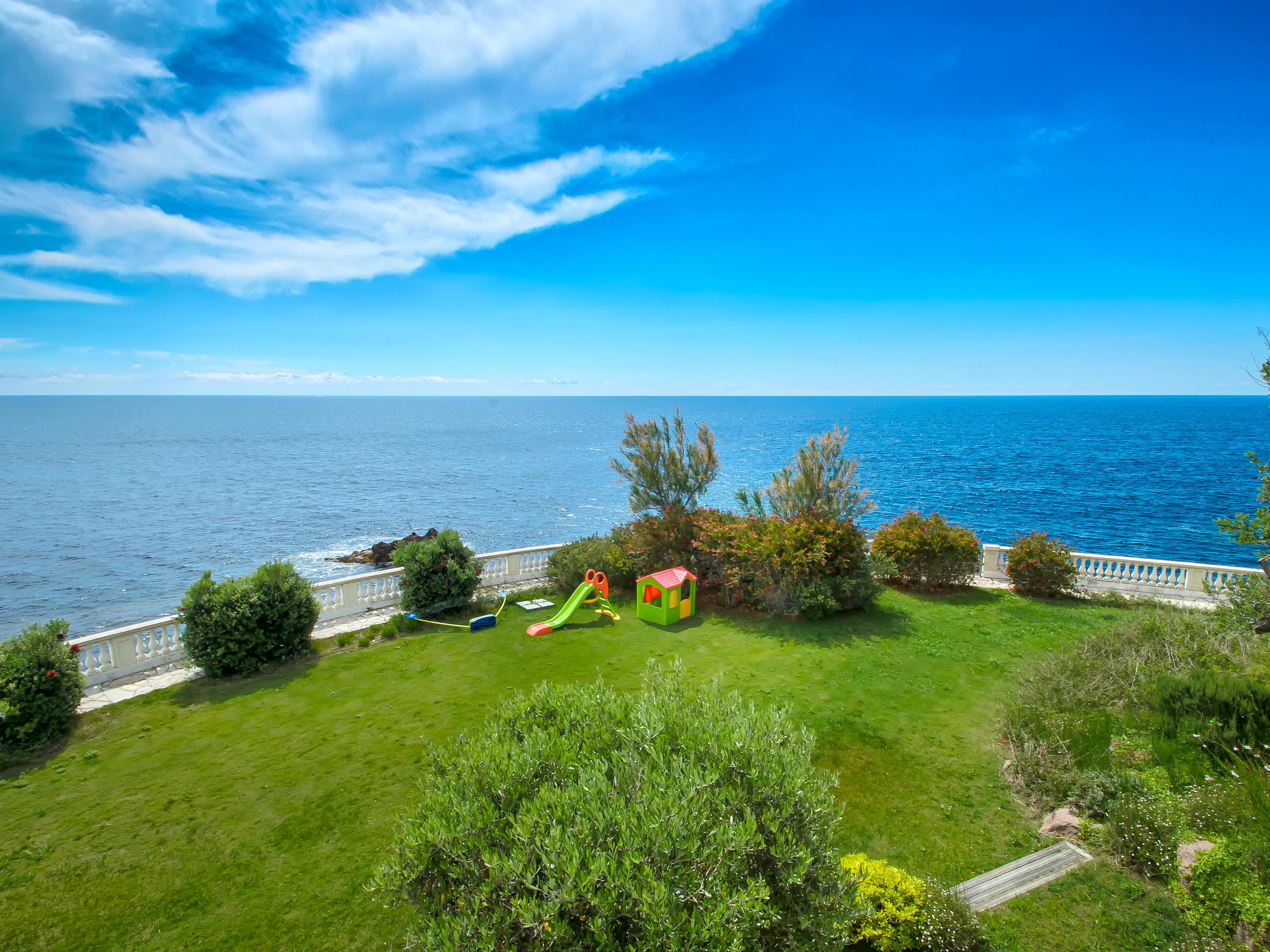 Property Of Private Estate - Waterfront property - Théoule sur Mer