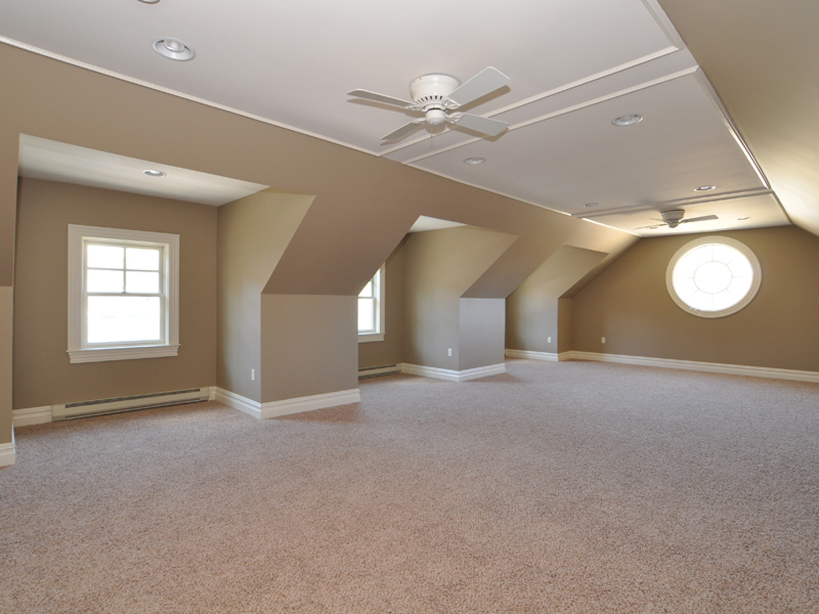 Additional photo for property listing at 2 Warren Drive  Middleton, Massachusetts 01949 United States