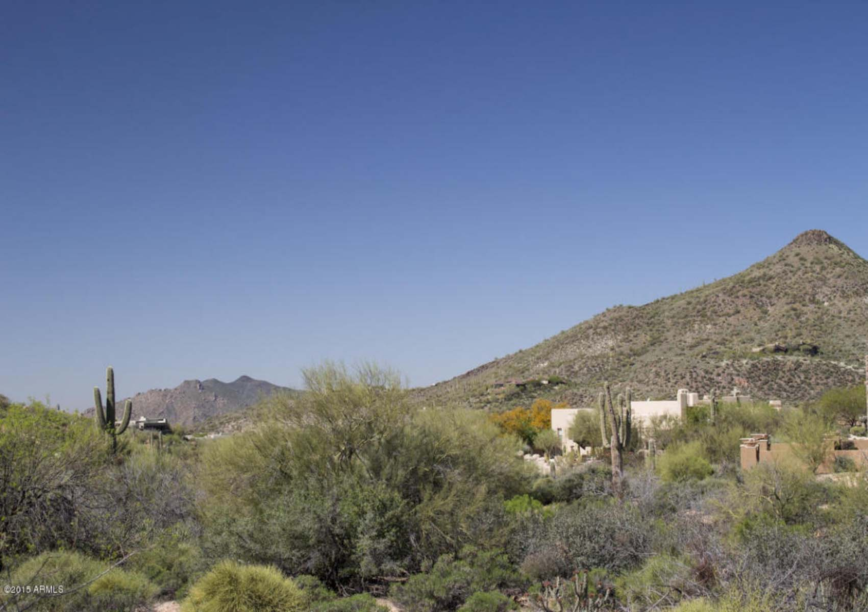 Terrain pour l Vente à This easy-build homesite is located in Desert Mountains's Village. 10122 E FILAREE LN 73 Scottsdale, Arizona 85262 États-Unis