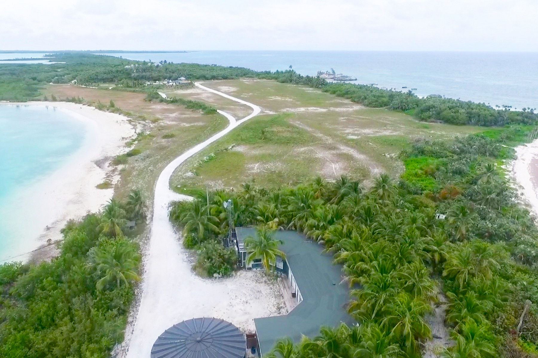 Additional photo for property listing at Windermere Island North 温德米尔湖, 伊路瑟拉 巴哈马