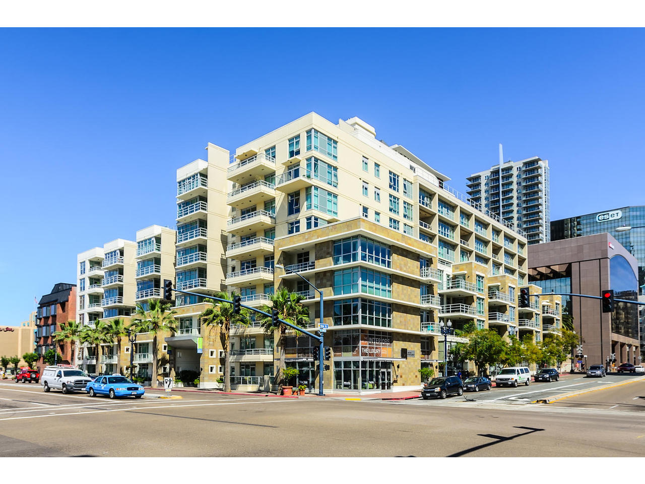 Condominium for Sale at Bay Views!! 1431 Pacific Hwy Unit 310 San Diego, California 92101 United States