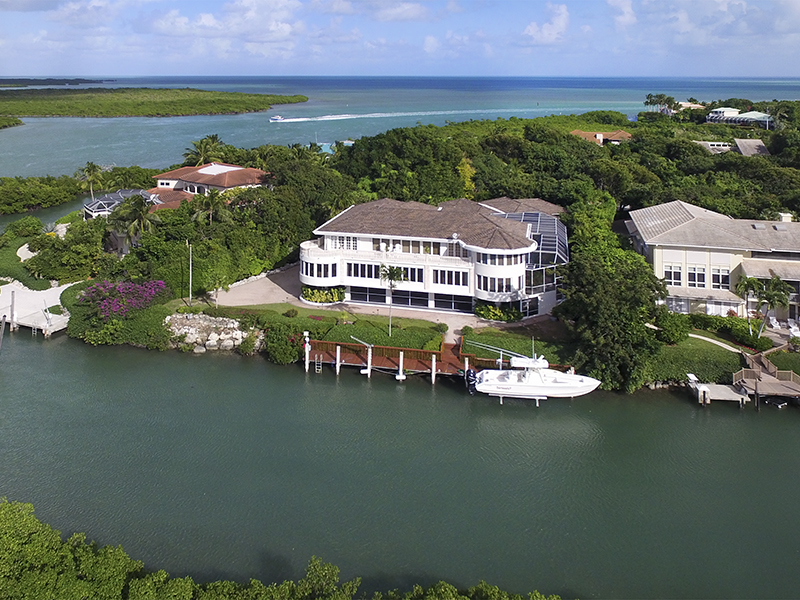 Maison unifamiliale pour l Vente à Exceptional Family Compound at Ocean Reef 34 Cardinal Lane Ocean Reef Community, Key Largo, Florida, 33037 États-Unis
