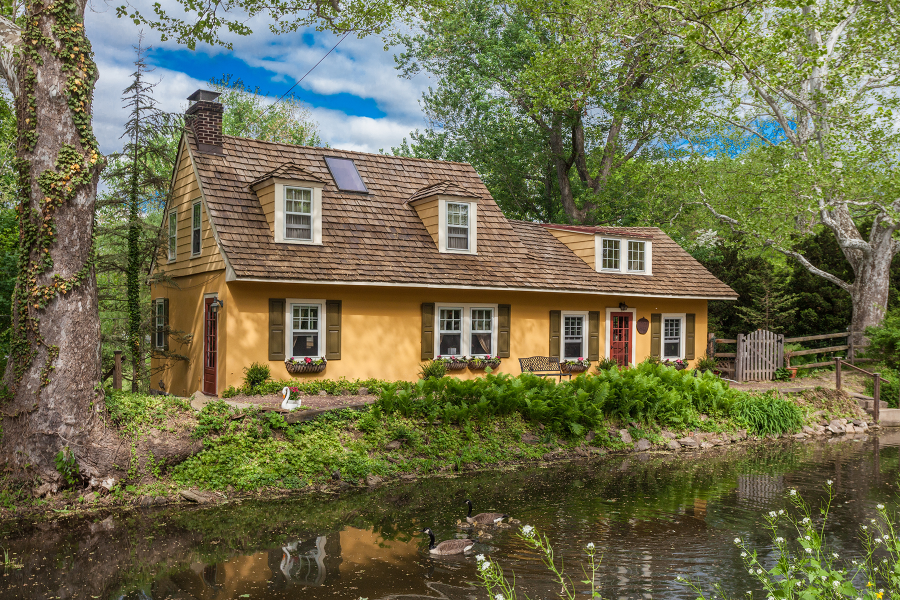 Single Family Home for Sale at New Hope, PA 2472 River Rd New Hope, Pennsylvania 18938 United States