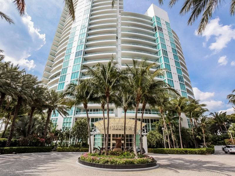 Eigentumswohnung für Verkauf beim 1000 S. Pointe Dr. #2604 1000 S. Pointe Drive #2604 Miami Beach, Florida 33139 Vereinigte Staaten