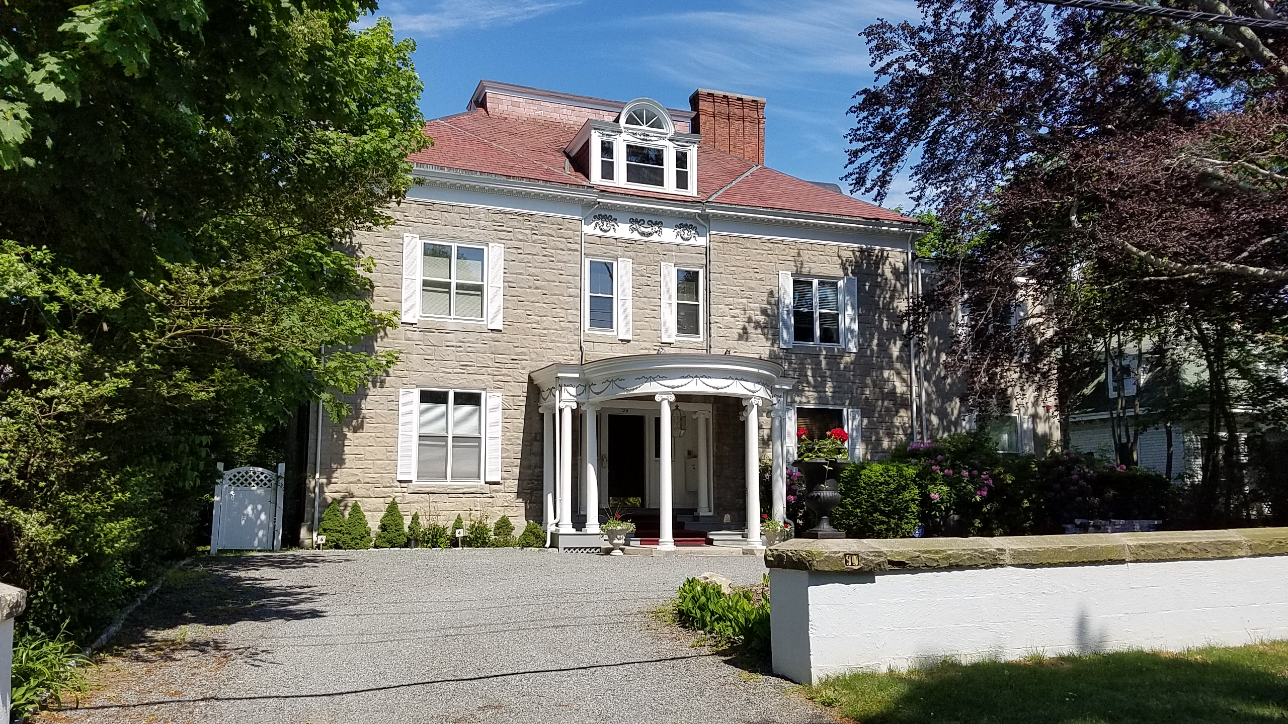 Additional photo for property listing at Lansing Zabriske House 90 Rhode Island Avenue 3 Newport, Rhode Island 02840 United States