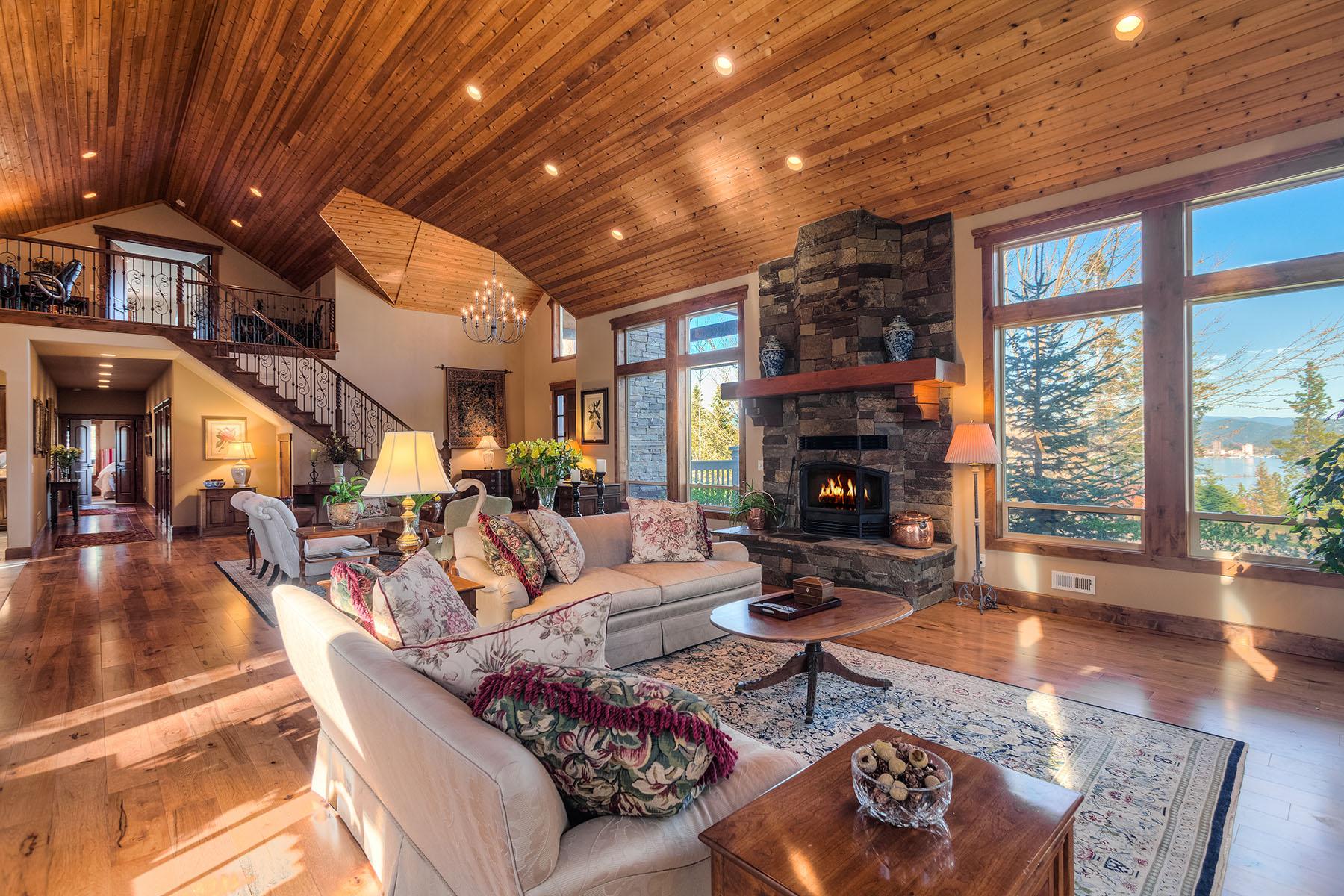 Casa para uma família para Venda às Quality Custom-Built Home in Cougar Bay 2400 S Espinazo Dr Coeur D Alene, Idaho, 83814 Estados Unidos