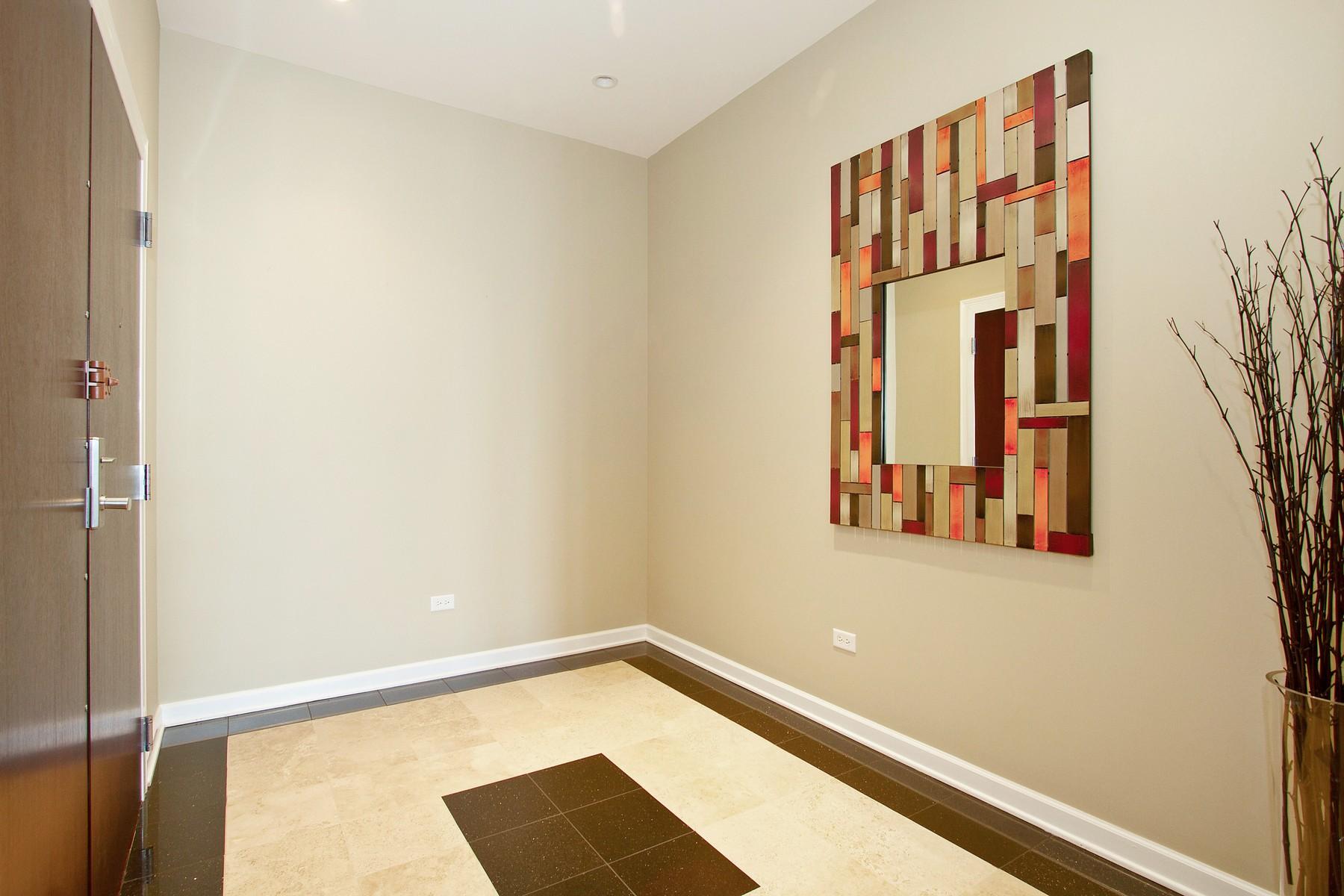 Appartement en copropriété pour l Vente à Luxury Penthouse 1400 S Michigan Avenue Unit 2701 Near South Side, Chicago, Illinois 60605 États-Unis